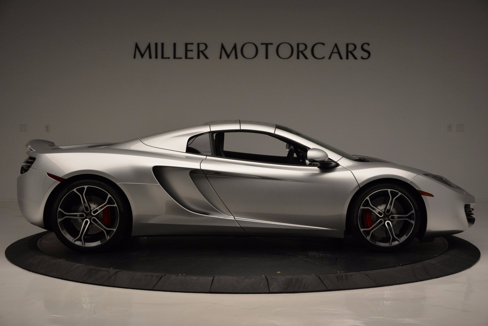 Used 2014 McLaren MP4-12C Spider  For Sale In Greenwich, CT. Alfa Romeo of Greenwich, 3089 627_p20