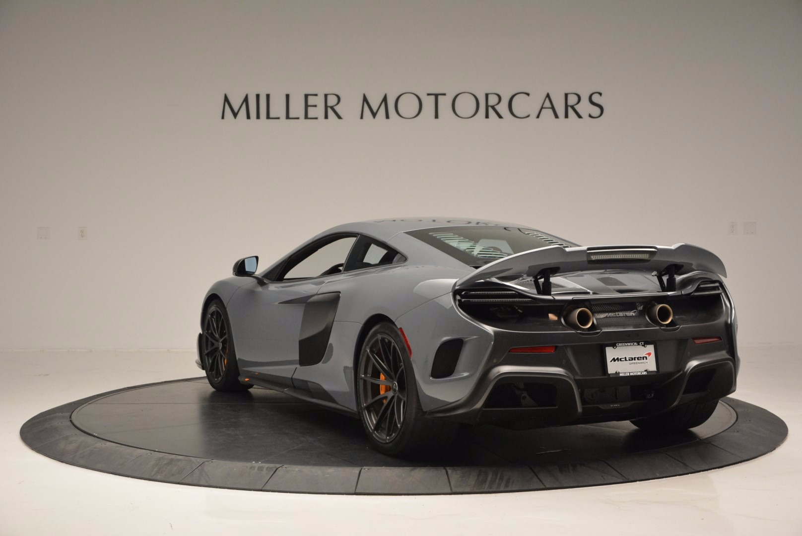 Used 2016 McLaren 675LT  For Sale In Greenwich, CT. Alfa Romeo of Greenwich, 3090 628_p5