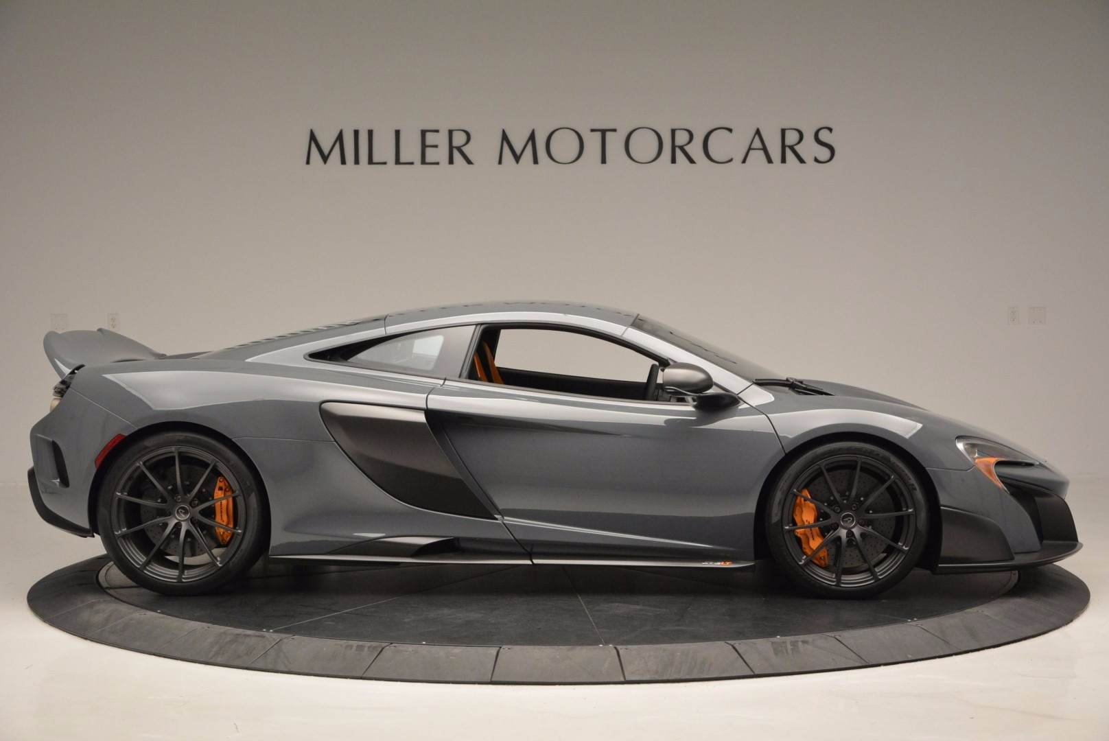 Used 2016 McLaren 675LT  For Sale In Greenwich, CT. Alfa Romeo of Greenwich, 3090 628_p9