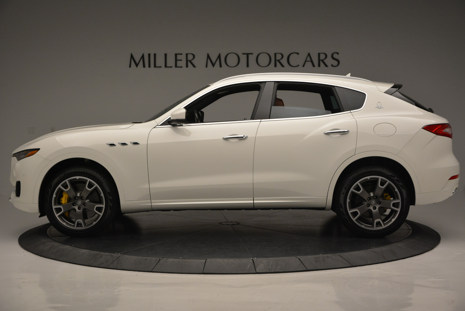 New 2017 Maserati Levante S For Sale In Greenwich, CT. Alfa Romeo of Greenwich, W355 629_p3
