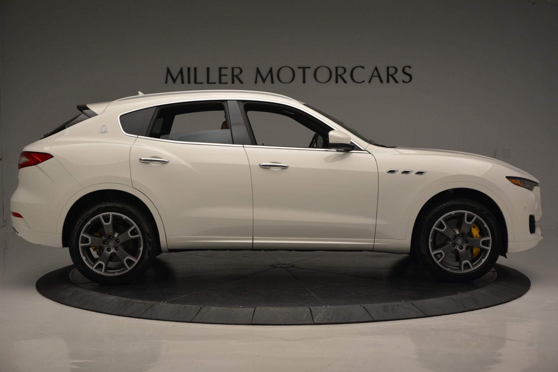 New 2017 Maserati Levante S For Sale In Greenwich, CT. Alfa Romeo of Greenwich, W355 629_p9