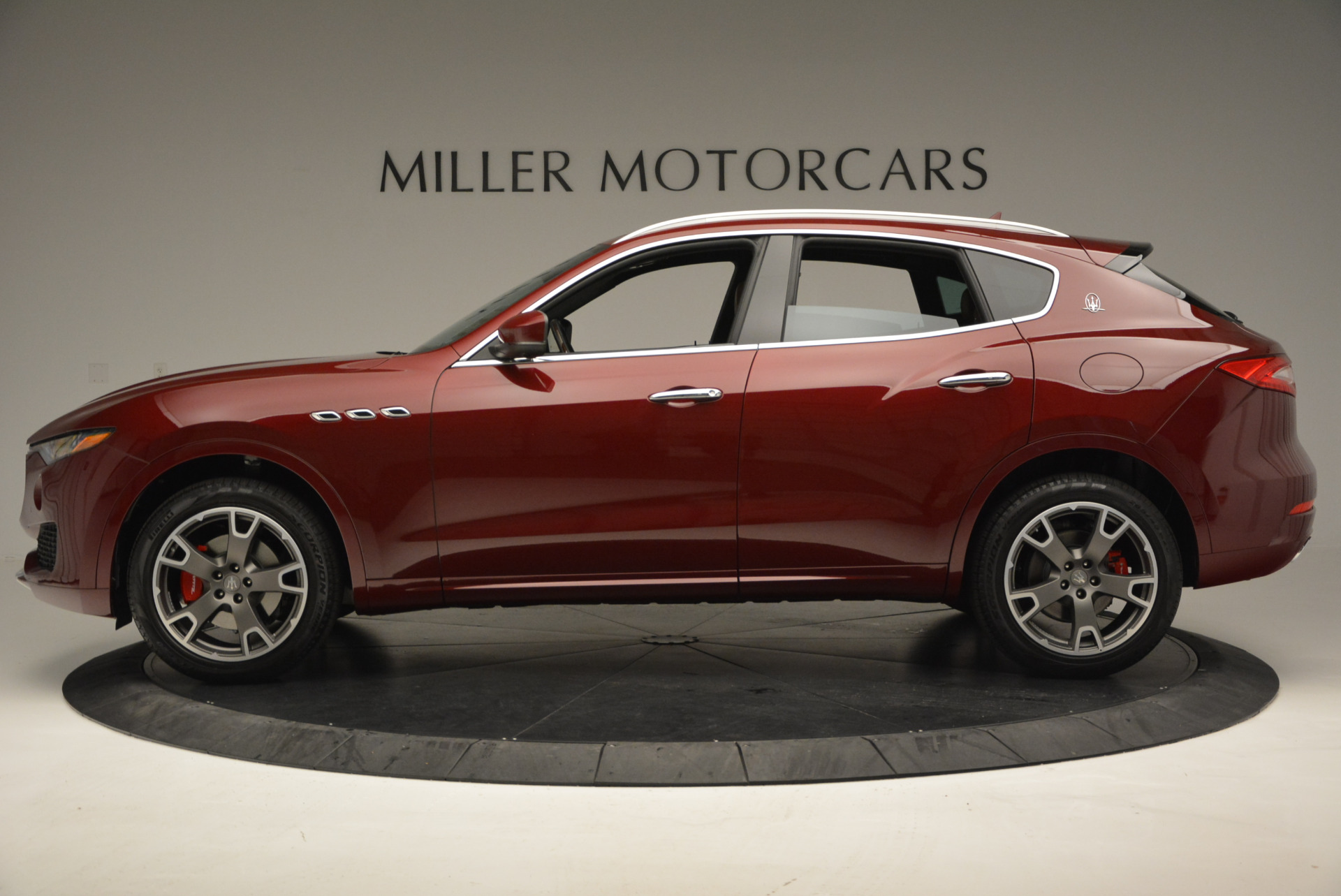 New 2017 Maserati Levante  For Sale In Greenwich, CT. Alfa Romeo of Greenwich, W342 632_p3