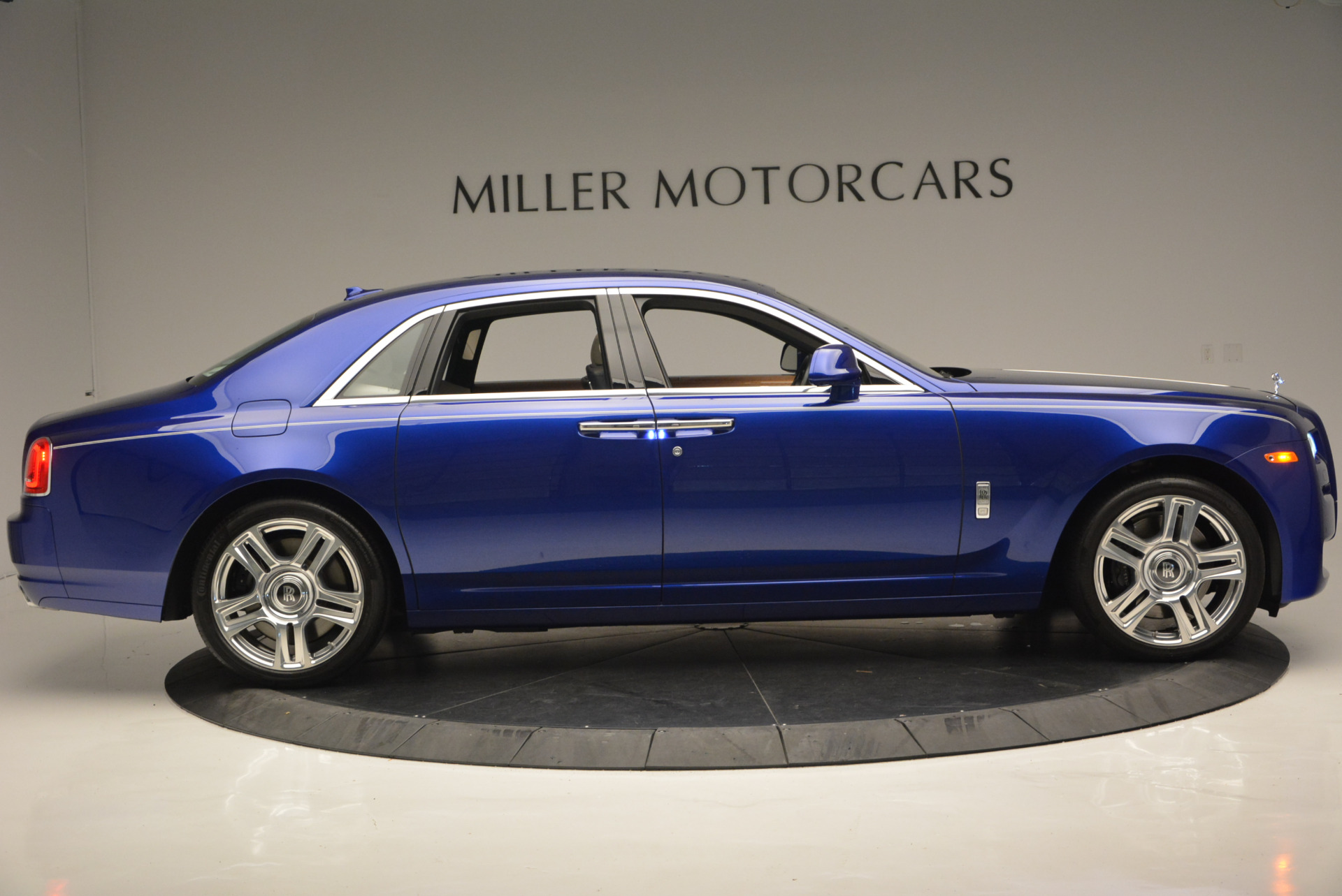 Used 2016 ROLLS-ROYCE GHOST SERIES II  For Sale In Greenwich, CT. Alfa Romeo of Greenwich, R53803 634_p10