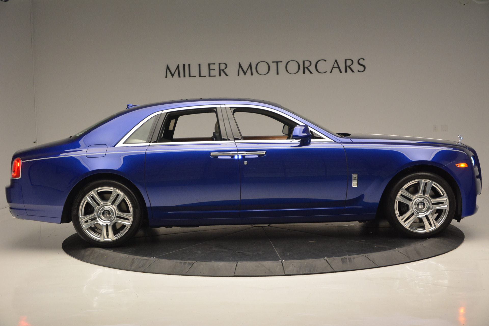 Used 2016 ROLLS-ROYCE GHOST SERIES II  For Sale In Greenwich, CT. Alfa Romeo of Greenwich, R53803 634_p11