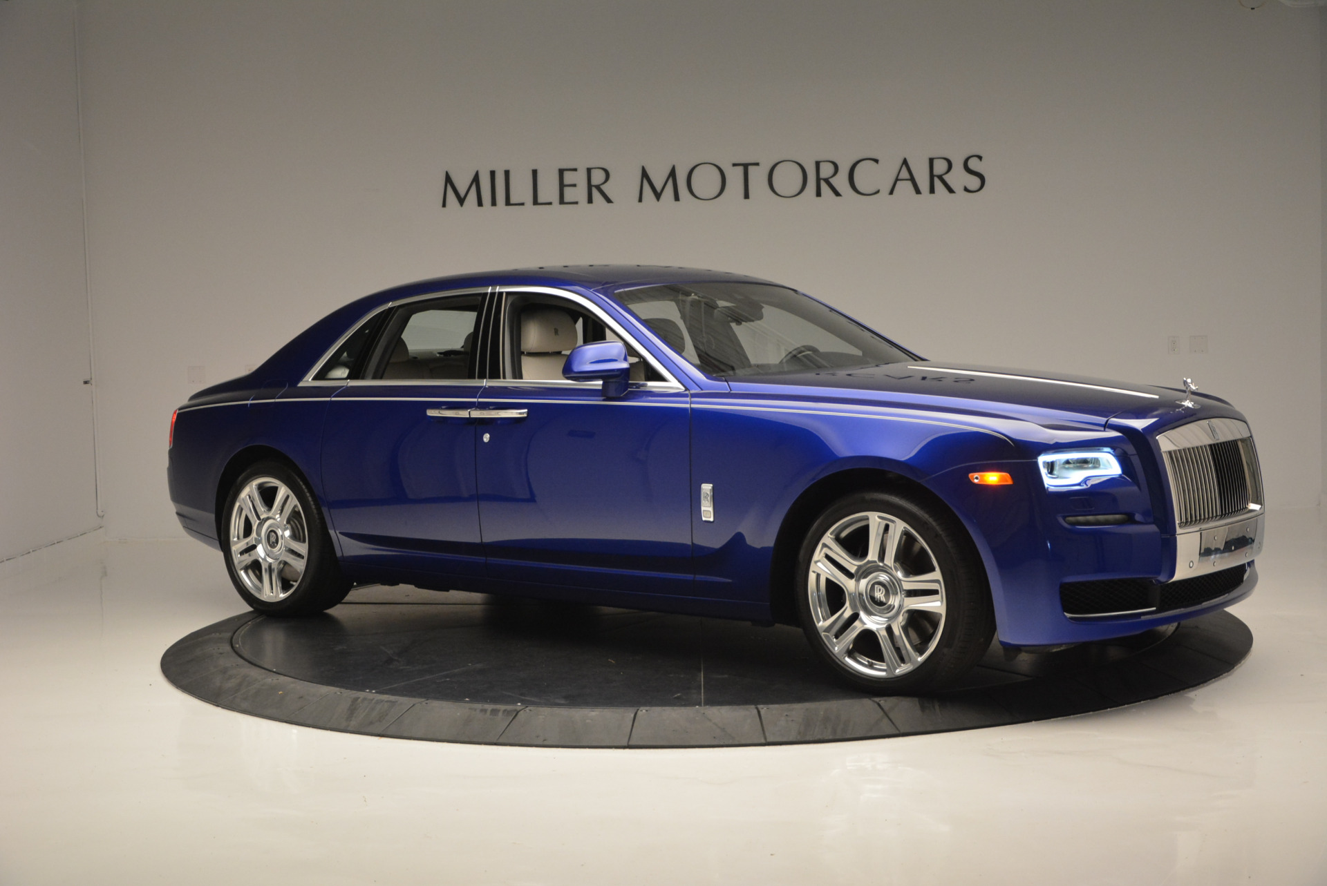Used 2016 ROLLS-ROYCE GHOST SERIES II  For Sale In Greenwich, CT. Alfa Romeo of Greenwich, R53803 634_p12