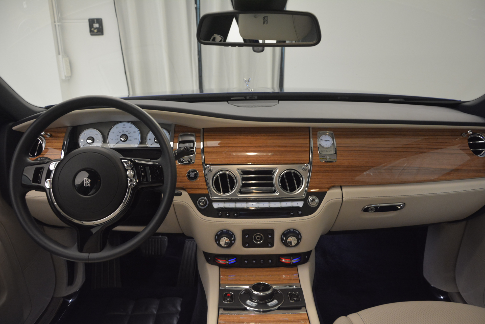 Used 2016 ROLLS-ROYCE GHOST SERIES II  For Sale In Greenwich, CT. Alfa Romeo of Greenwich, R53803 634_p24