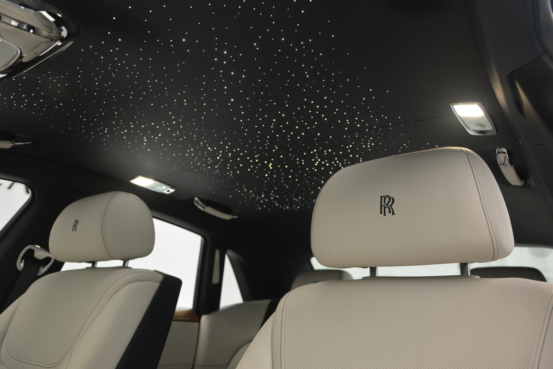 Used 2016 ROLLS-ROYCE GHOST SERIES II  For Sale In Greenwich, CT. Alfa Romeo of Greenwich, R53803 634_p27