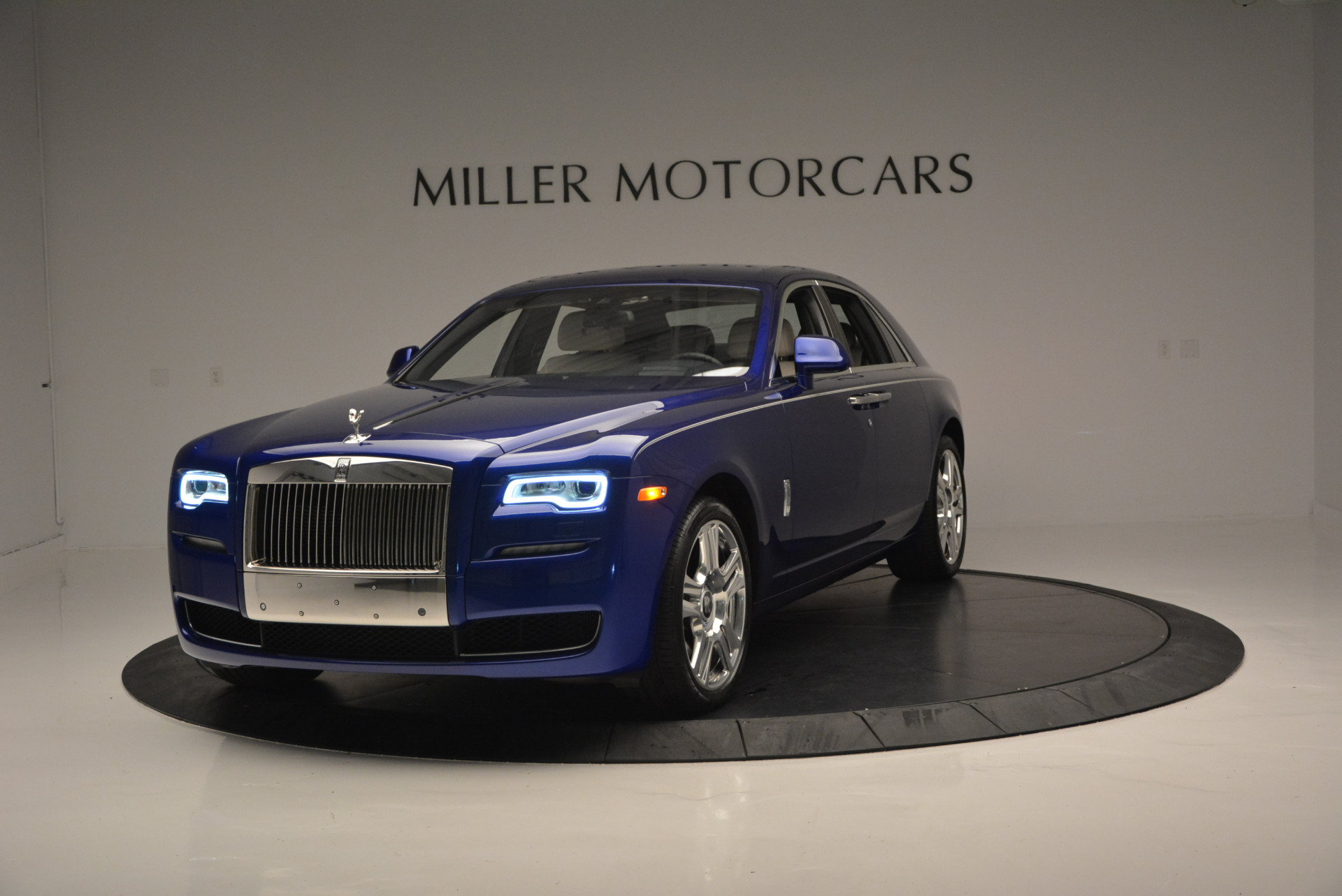 Used 2016 ROLLS-ROYCE GHOST SERIES II  For Sale In Greenwich, CT. Alfa Romeo of Greenwich, R53803 634_p2