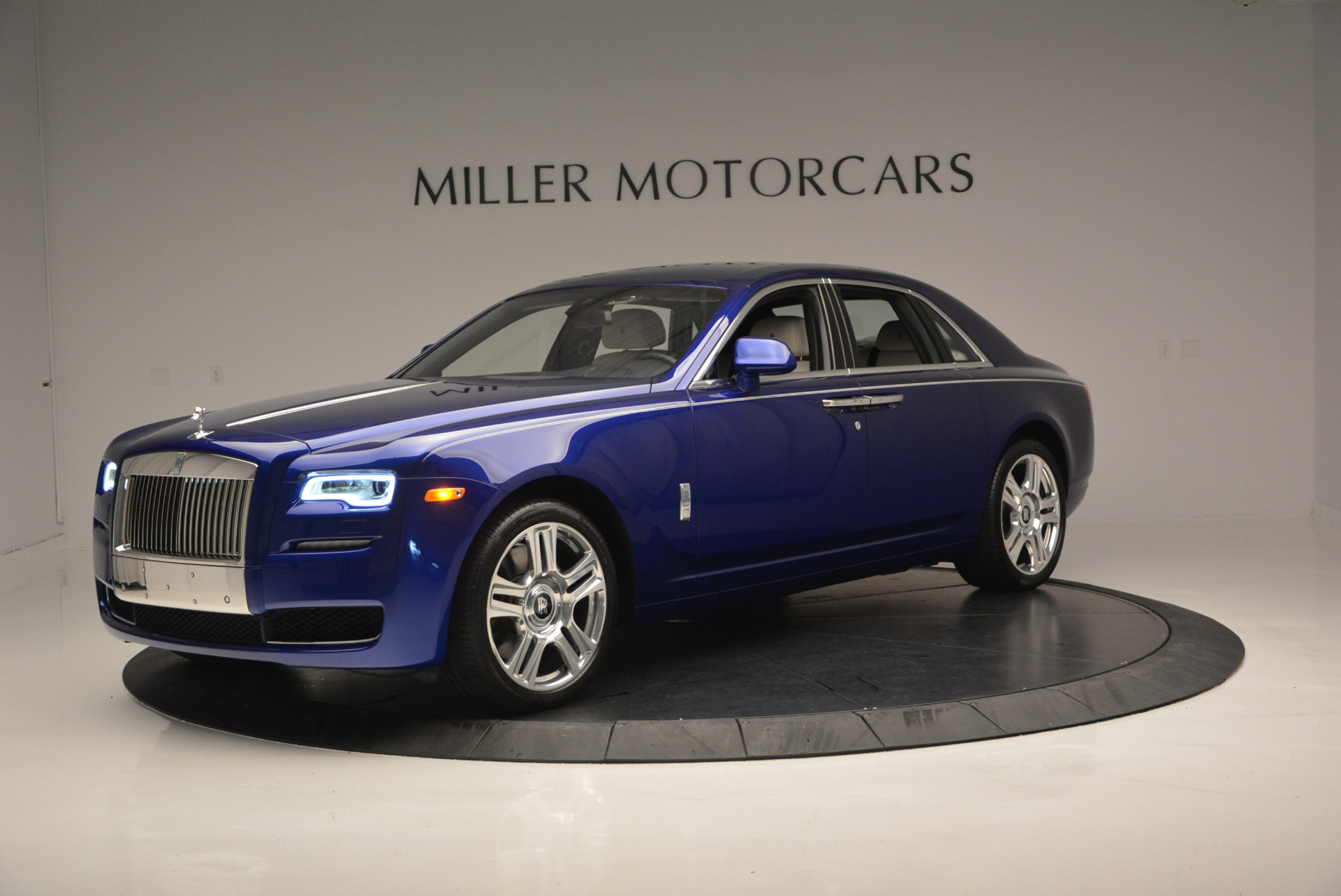 Used 2016 ROLLS-ROYCE GHOST SERIES II  For Sale In Greenwich, CT. Alfa Romeo of Greenwich, R53803 634_p3