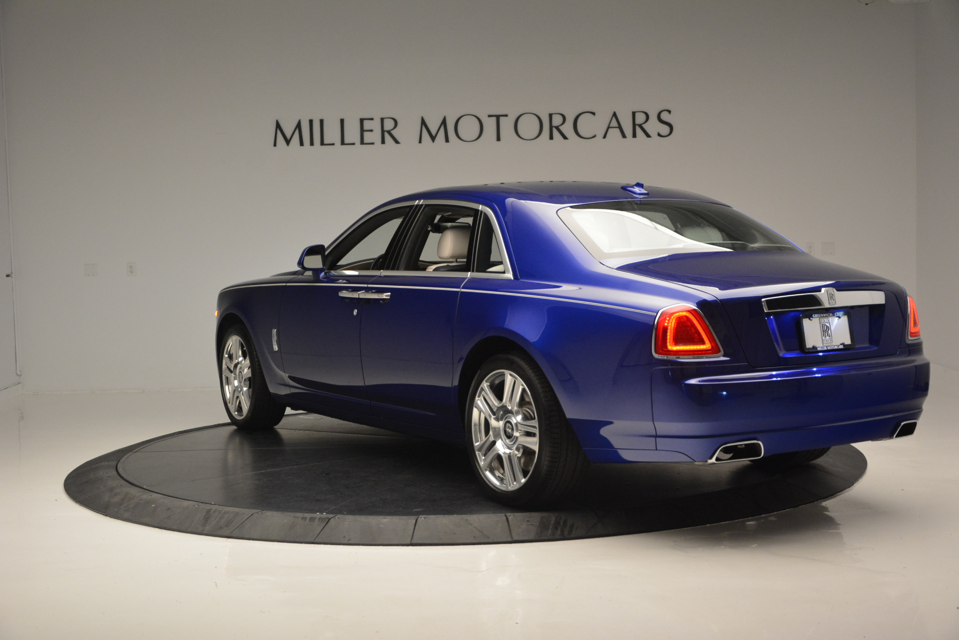 Used 2016 ROLLS-ROYCE GHOST SERIES II  For Sale In Greenwich, CT. Alfa Romeo of Greenwich, R53803 634_p6