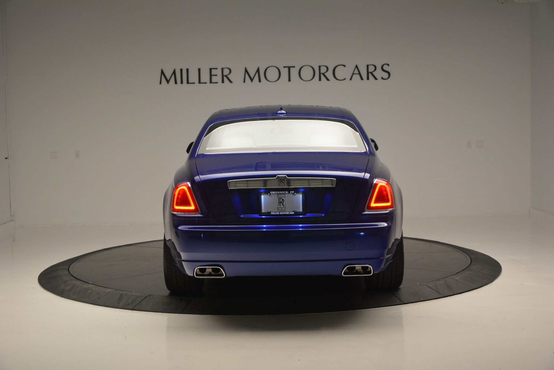 Used 2016 ROLLS-ROYCE GHOST SERIES II  For Sale In Greenwich, CT. Alfa Romeo of Greenwich, R53803 634_p7