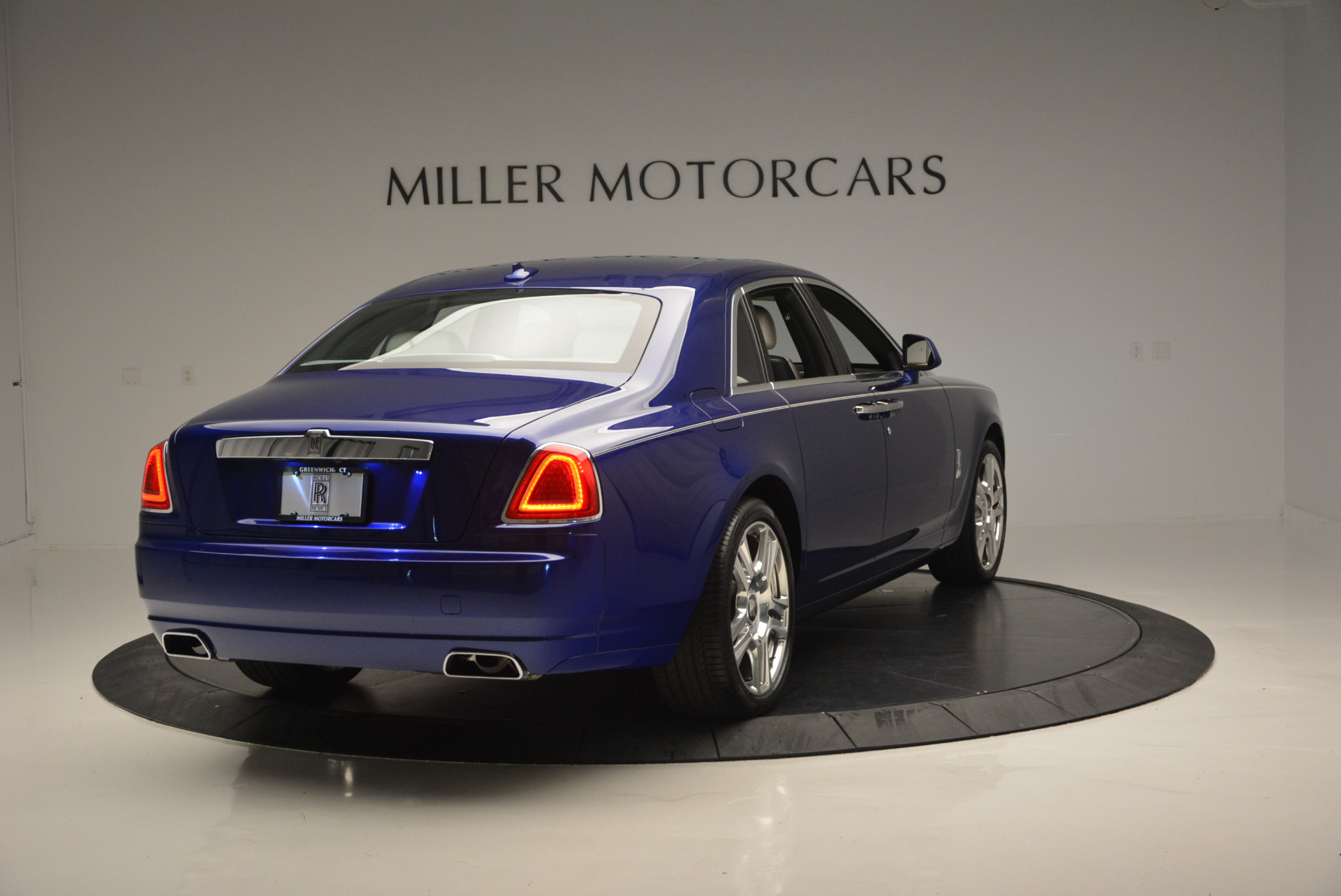 Used 2016 ROLLS-ROYCE GHOST SERIES II  For Sale In Greenwich, CT. Alfa Romeo of Greenwich, R53803 634_p8