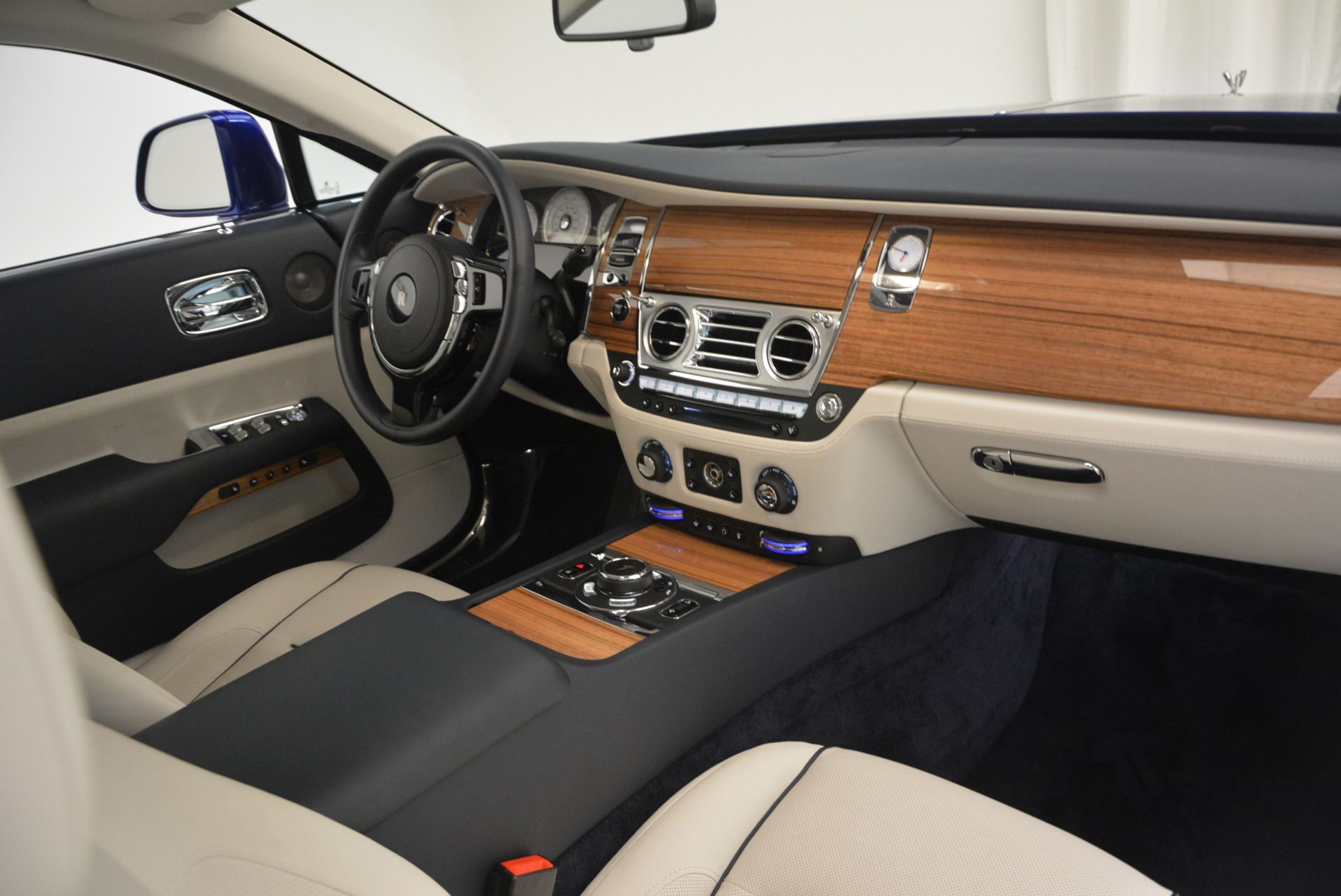 Used 2016 Rolls-Royce Wraith  For Sale In Greenwich, CT. Alfa Romeo of Greenwich, R86226 635_p30