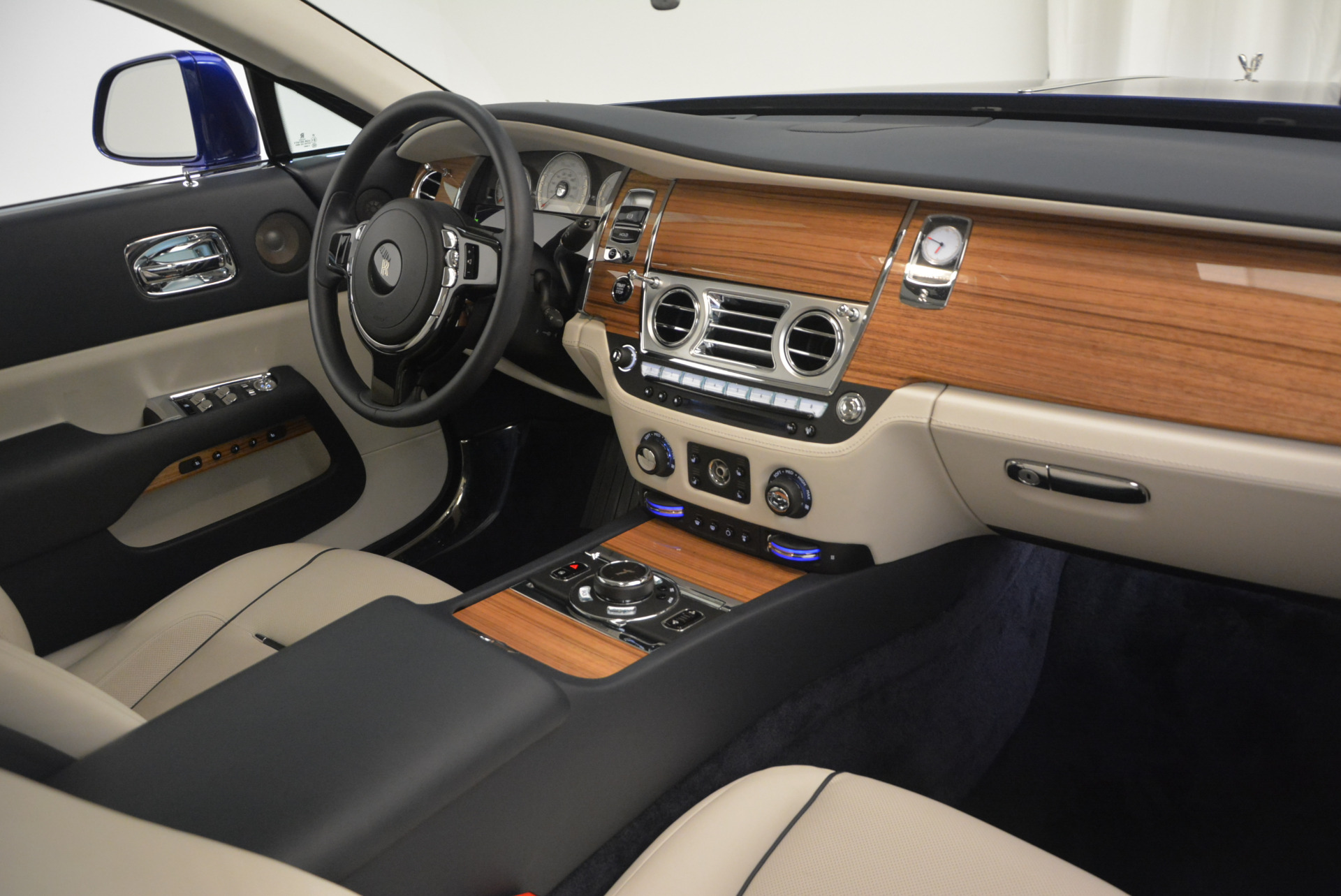 Used 2016 Rolls-Royce Wraith  For Sale In Greenwich, CT. Alfa Romeo of Greenwich, R86226 635_p31