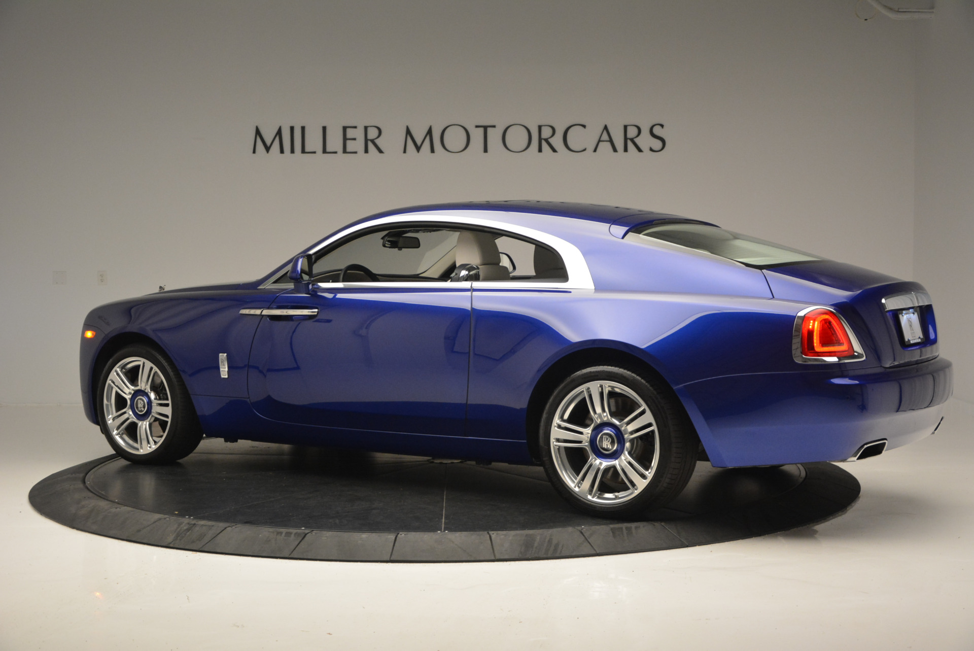 Used 2016 Rolls-Royce Wraith  For Sale In Greenwich, CT. Alfa Romeo of Greenwich, R86226 635_p5