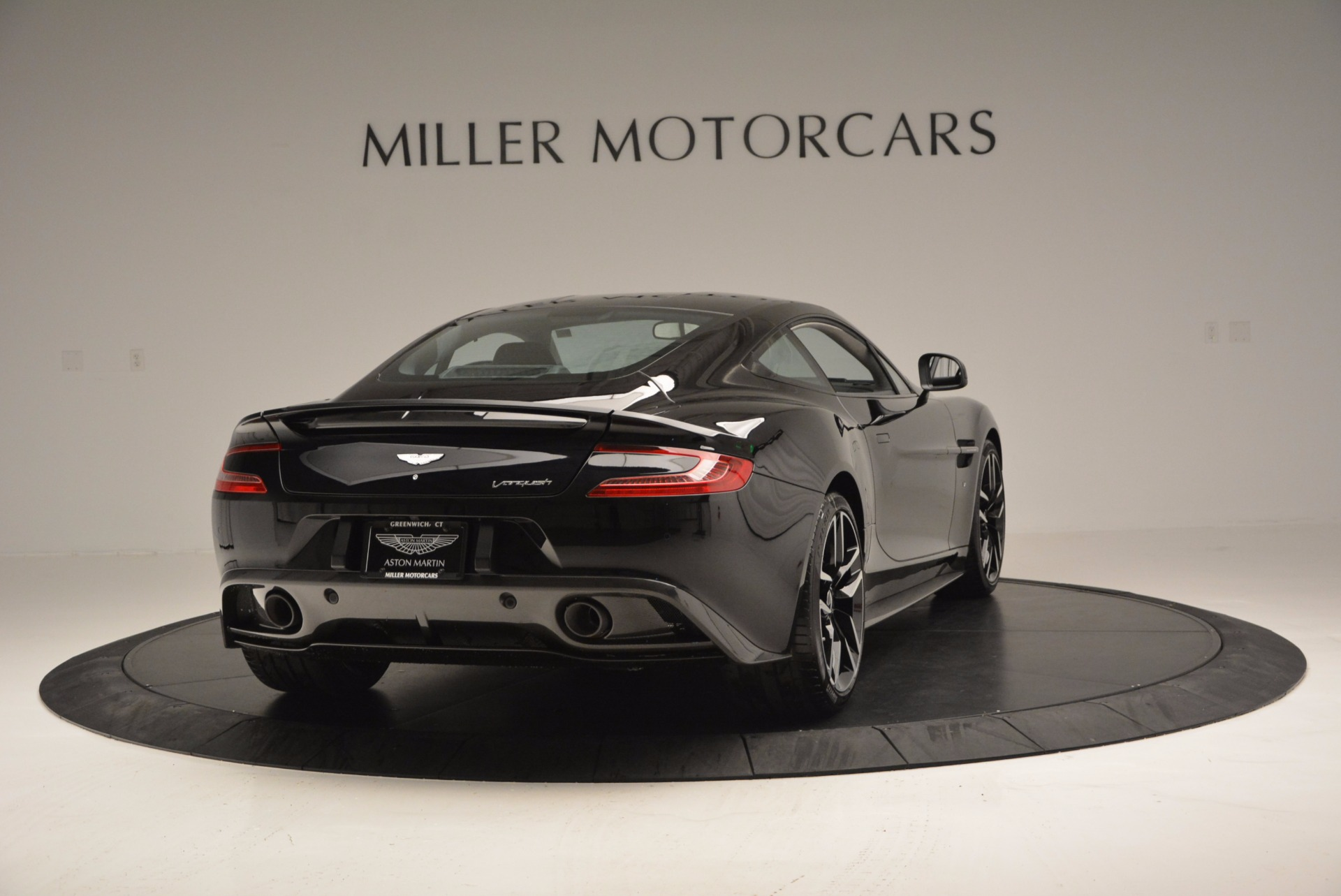 Used 2017 Aston Martin Vanquish Coupe For Sale In Greenwich, CT. Alfa Romeo of Greenwich, A1195B 638_p7