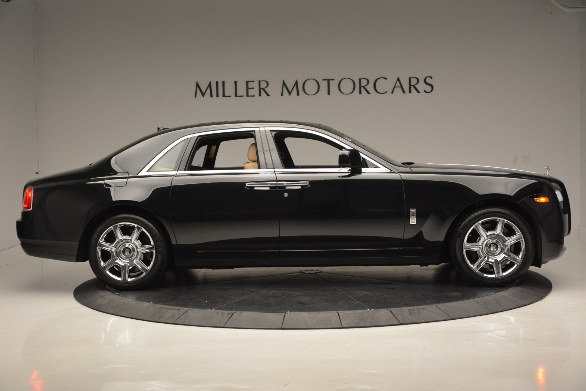 Used 2011 Rolls-Royce Ghost  For Sale In Greenwich, CT. Alfa Romeo of Greenwich, R379A 648_p10
