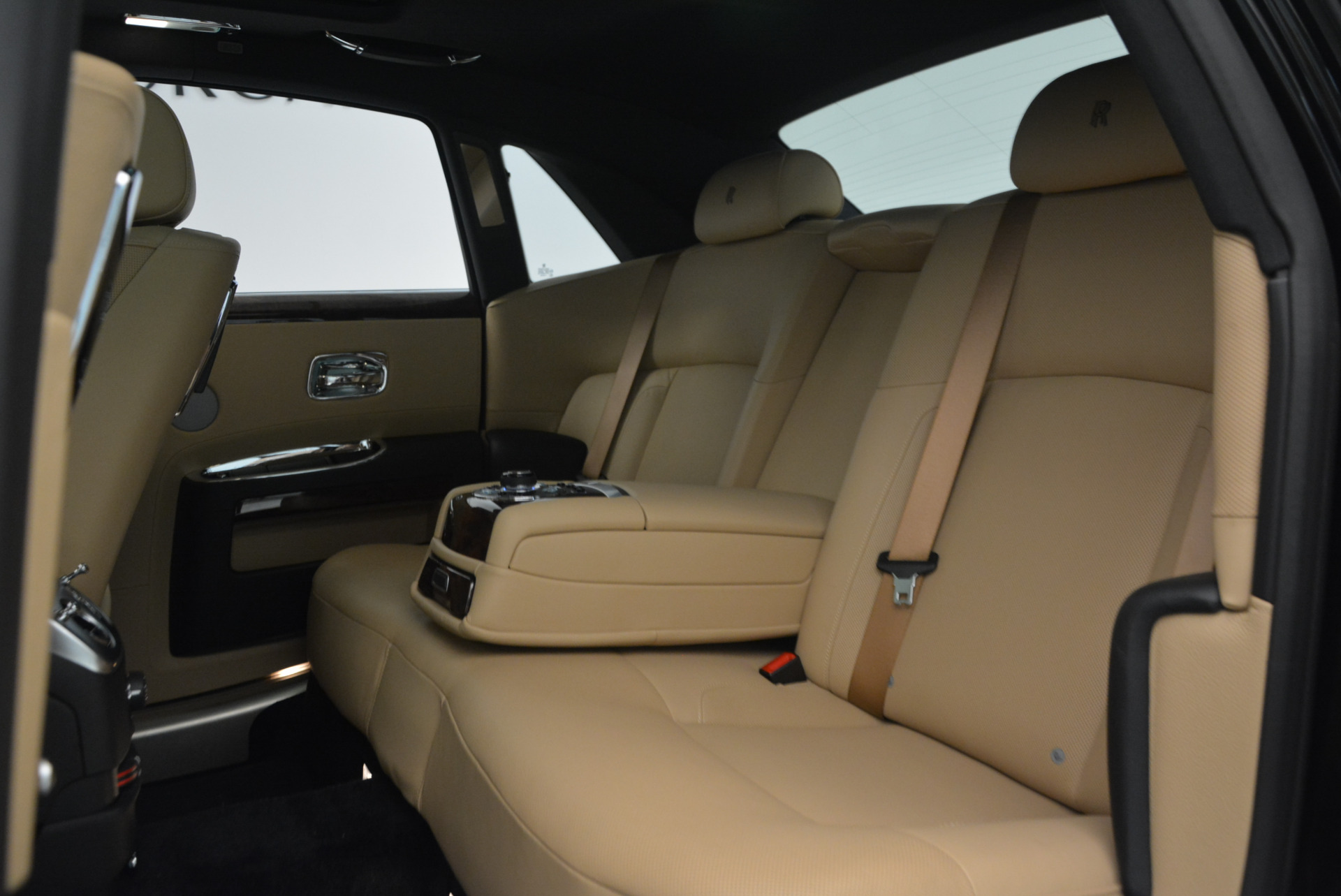 Used 2011 Rolls-Royce Ghost  For Sale In Greenwich, CT. Alfa Romeo of Greenwich, R379A 648_p23