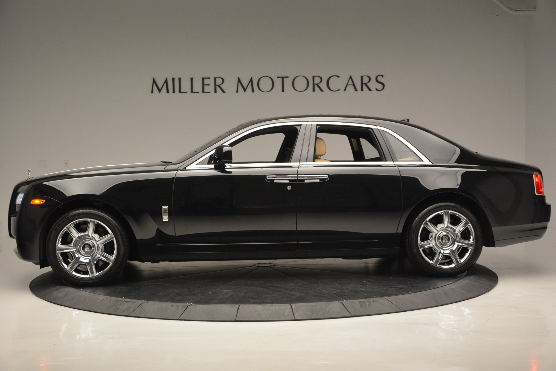 Used 2011 Rolls-Royce Ghost  For Sale In Greenwich, CT. Alfa Romeo of Greenwich, R379A 648_p4