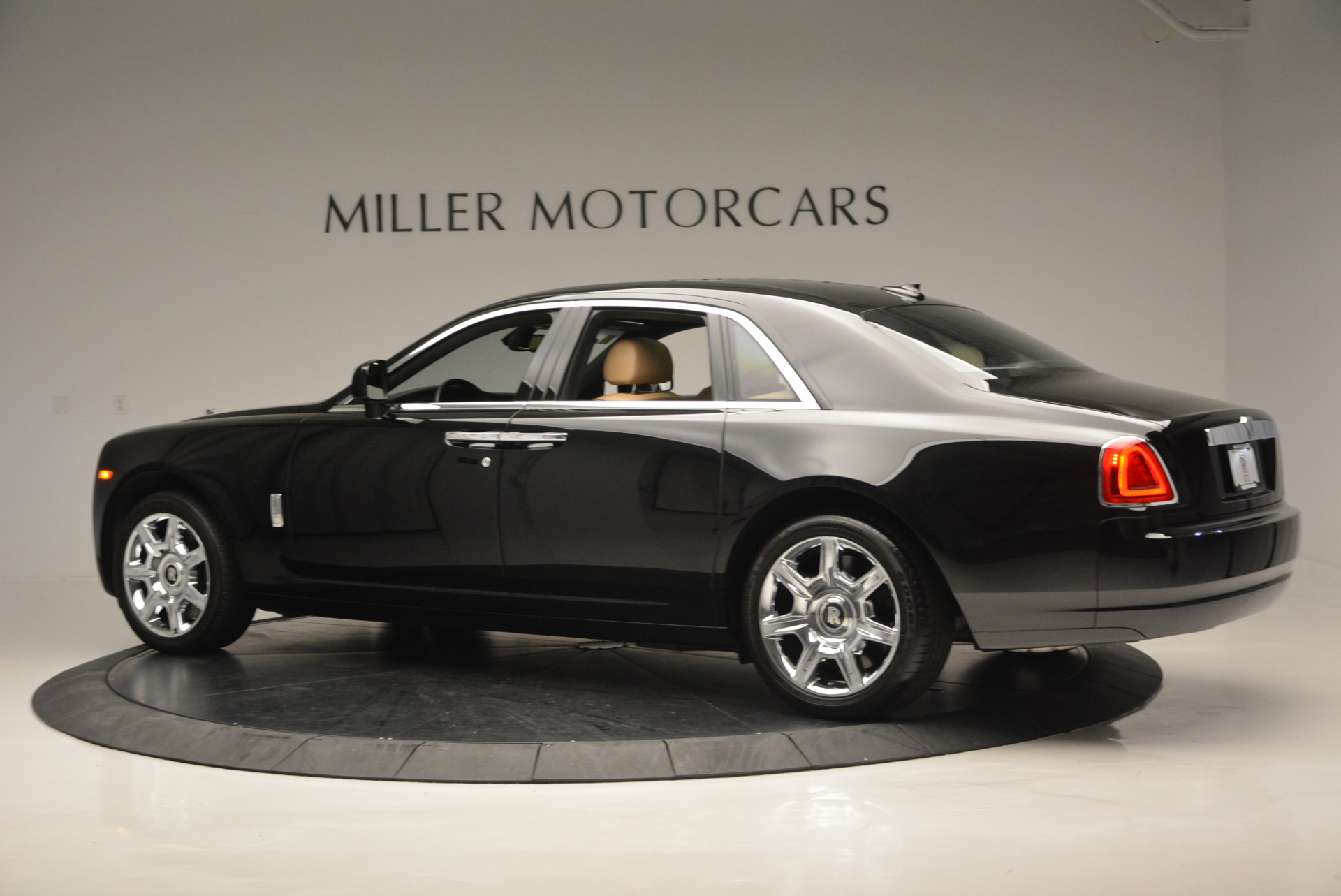Used 2011 Rolls-Royce Ghost  For Sale In Greenwich, CT. Alfa Romeo of Greenwich, R379A 648_p5