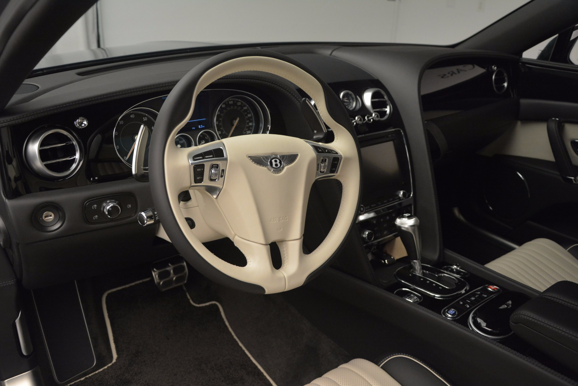 New 2017 Bentley Flying Spur V8 S  For Sale In Greenwich, CT. Alfa Romeo of Greenwich, B1198 651_p15