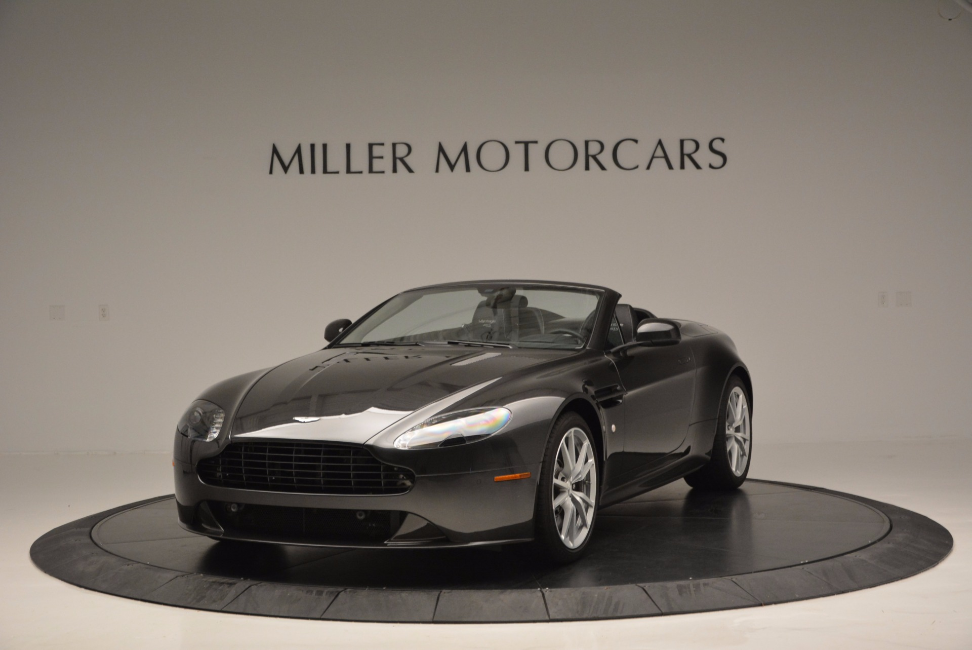 Used 2016 Aston Martin V8 Vantage S Roadster For Sale In Greenwich, CT. Alfa Romeo of Greenwich, 7098 652_main