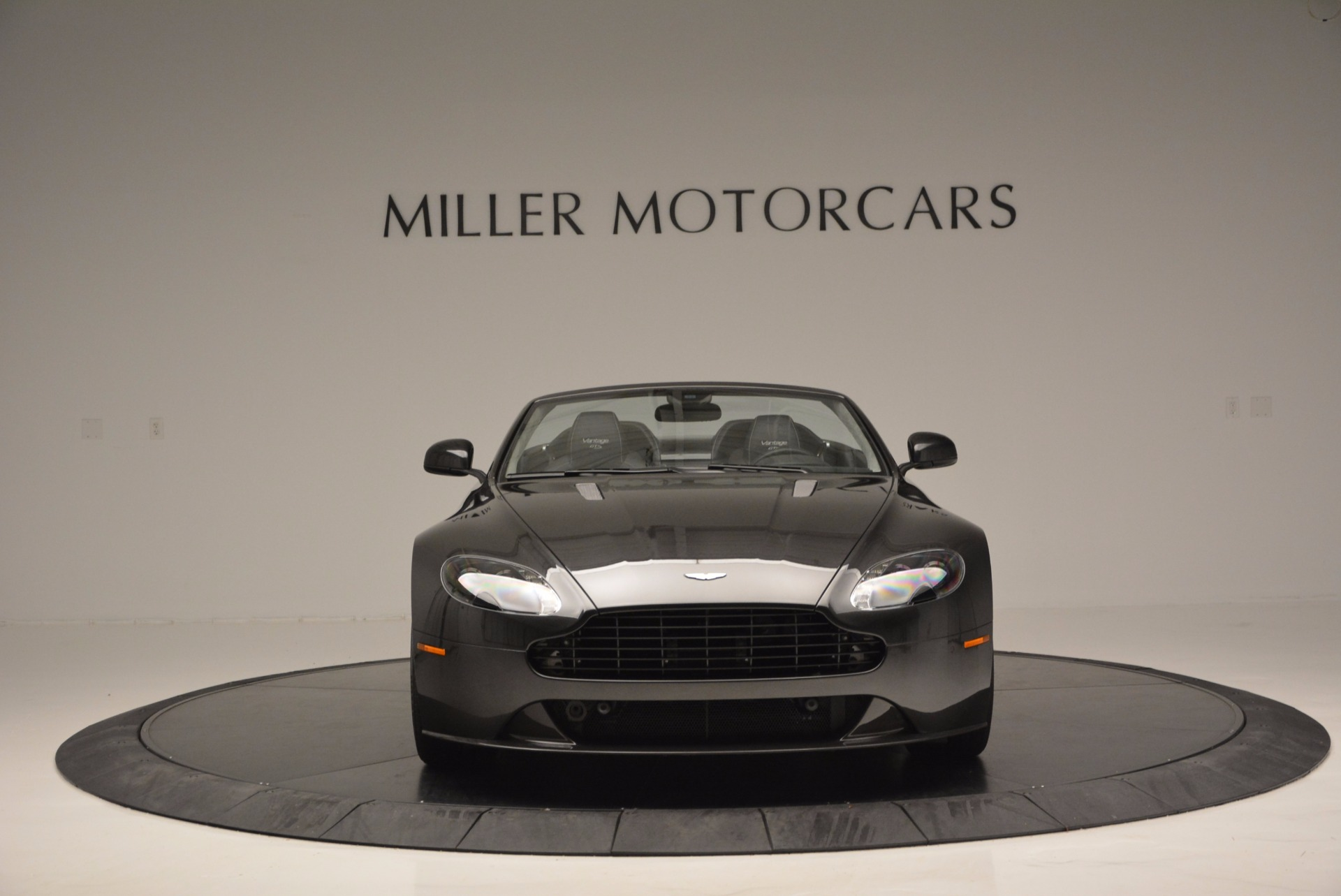 Used 2016 Aston Martin V8 Vantage S Roadster For Sale In Greenwich, CT. Alfa Romeo of Greenwich, 7098 652_p11