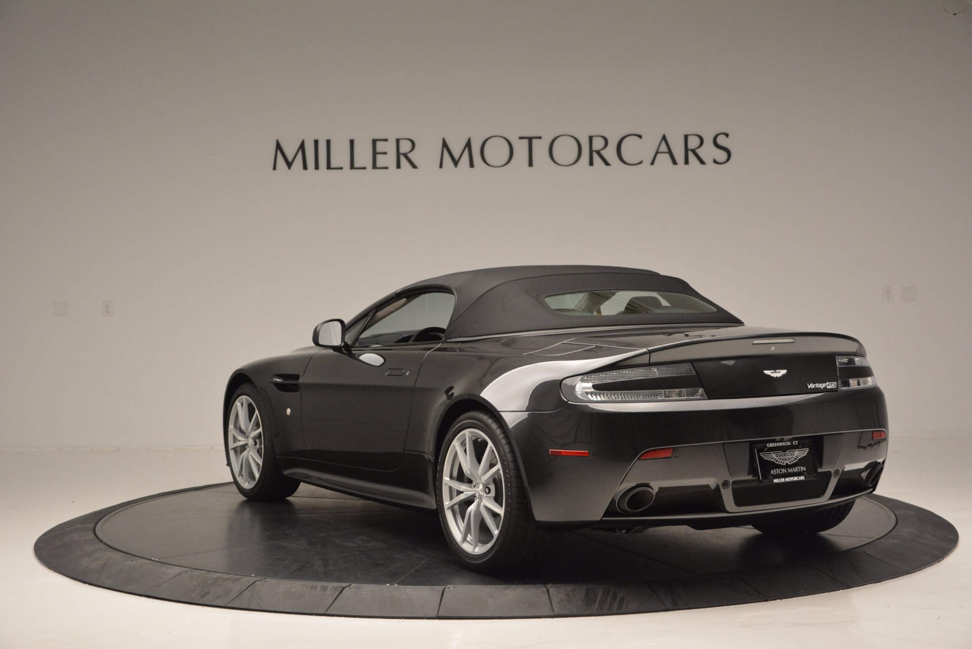 Used 2016 Aston Martin V8 Vantage S Roadster For Sale In Greenwich, CT. Alfa Romeo of Greenwich, 7098 652_p17