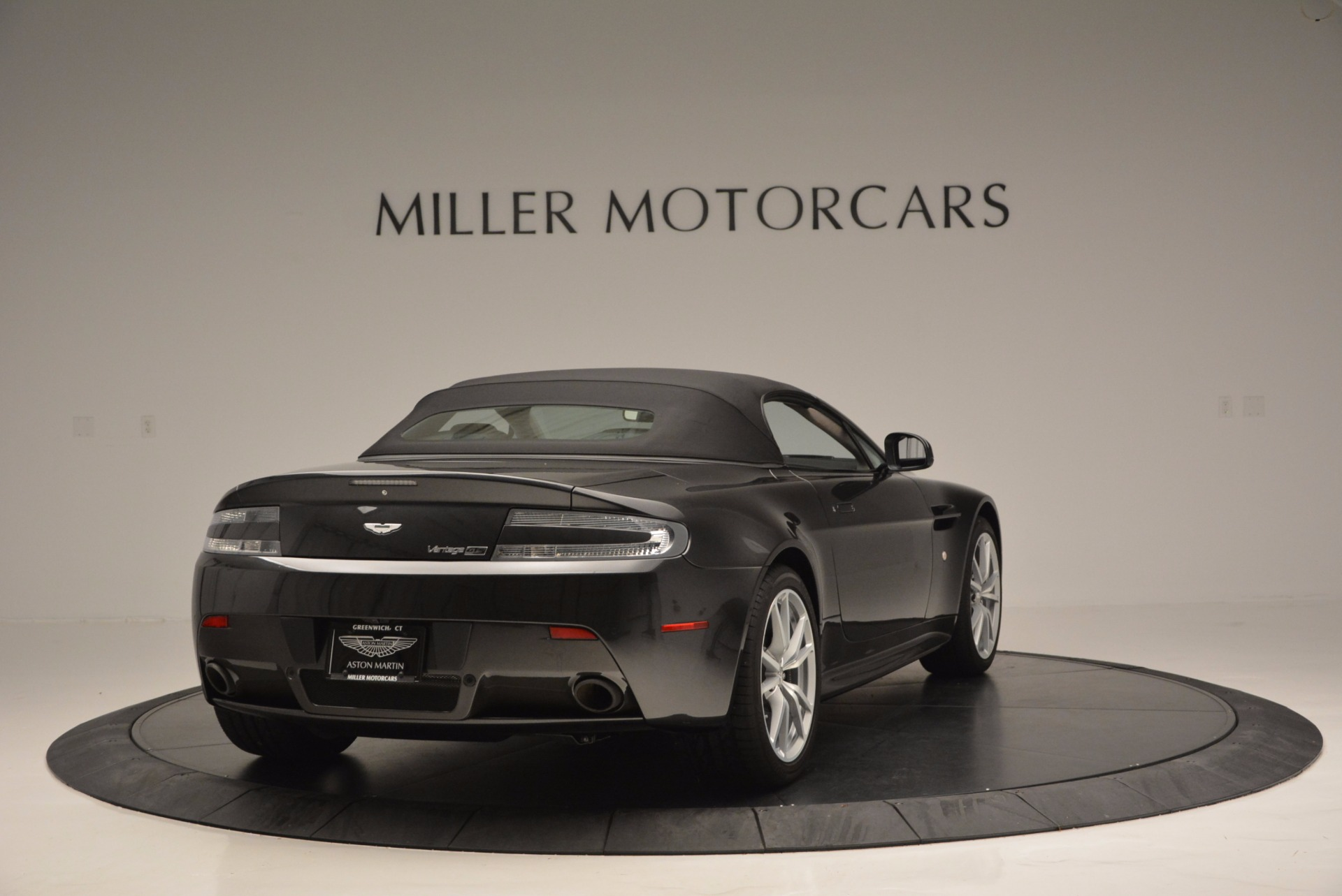 Used 2016 Aston Martin V8 Vantage S Roadster For Sale In Greenwich, CT. Alfa Romeo of Greenwich, 7098 652_p19
