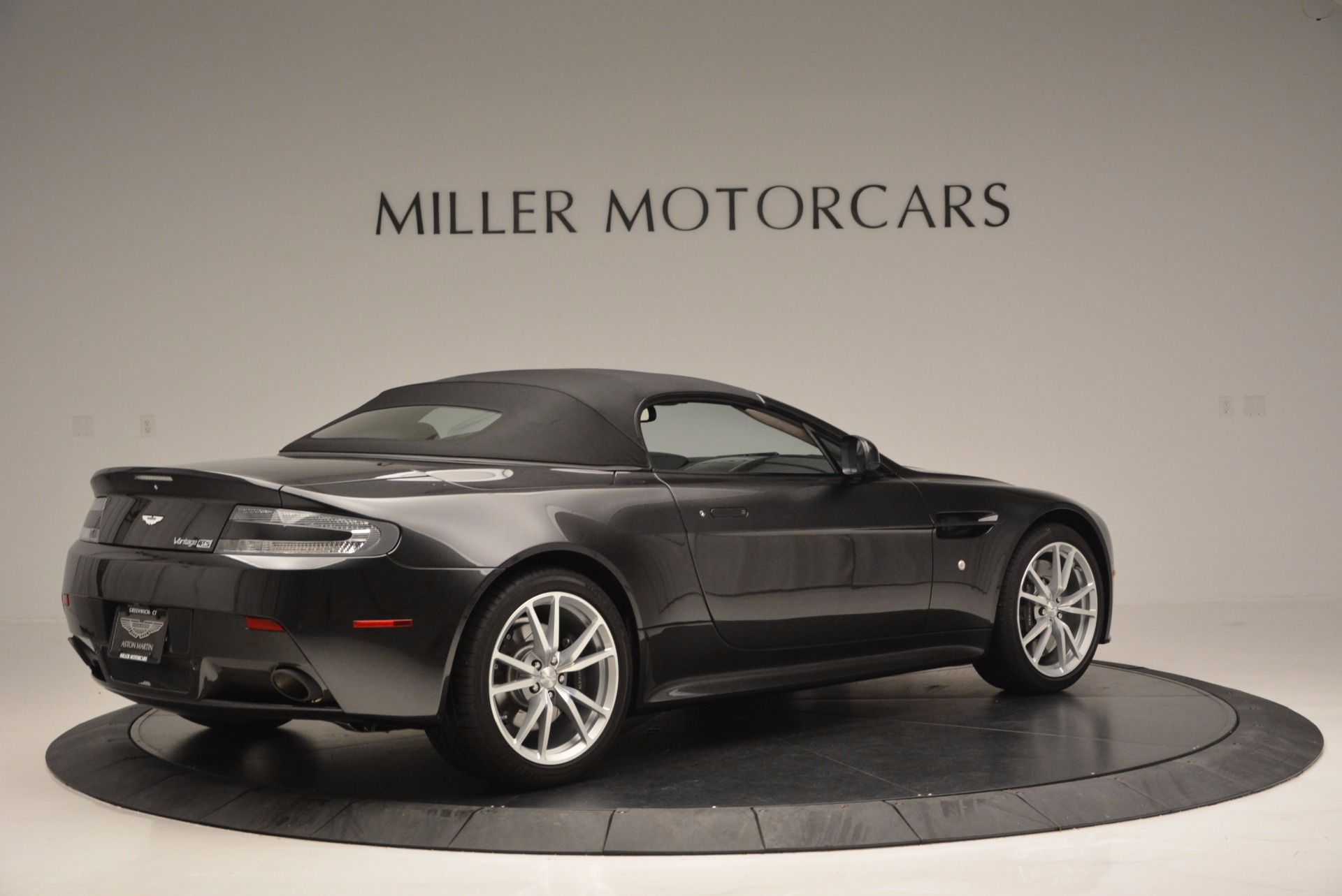 Used 2016 Aston Martin V8 Vantage S Roadster For Sale In Greenwich, CT. Alfa Romeo of Greenwich, 7098 652_p20