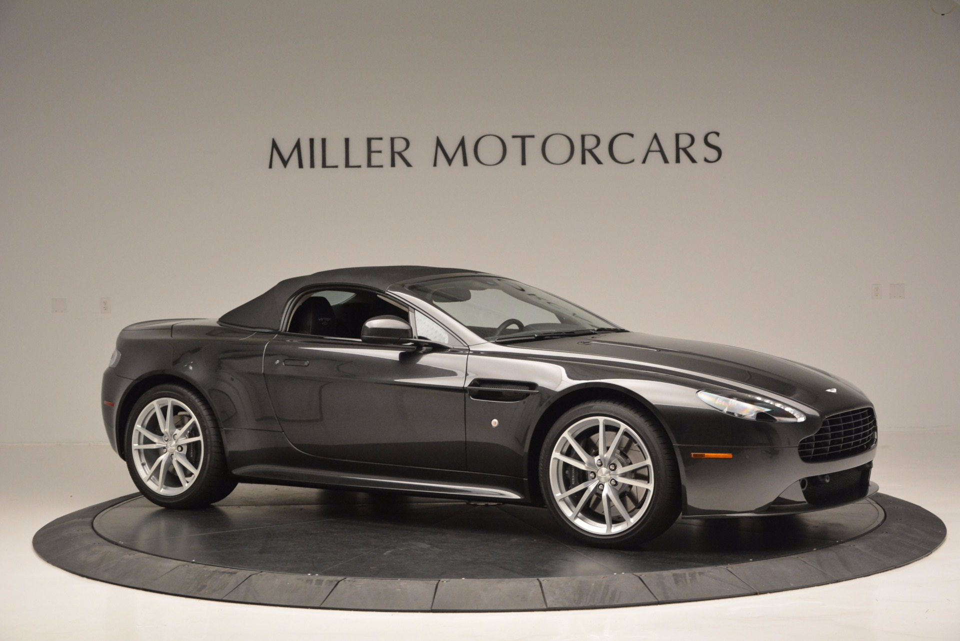 Used 2016 Aston Martin V8 Vantage S Roadster For Sale In Greenwich, CT. Alfa Romeo of Greenwich, 7098 652_p22