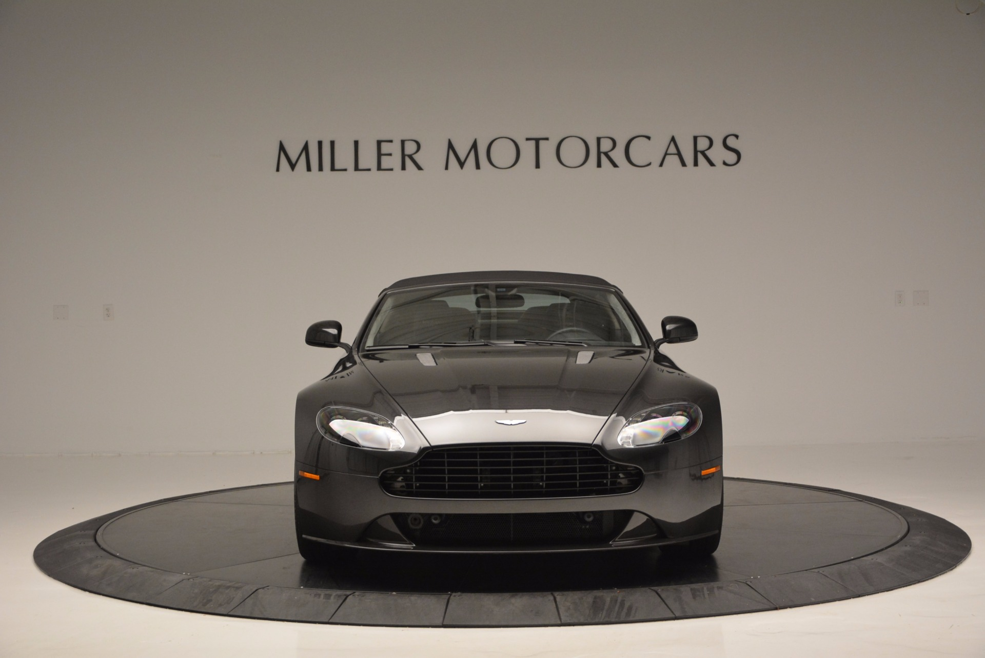 Used 2016 Aston Martin V8 Vantage S Roadster For Sale In Greenwich, CT. Alfa Romeo of Greenwich, 7098 652_p24