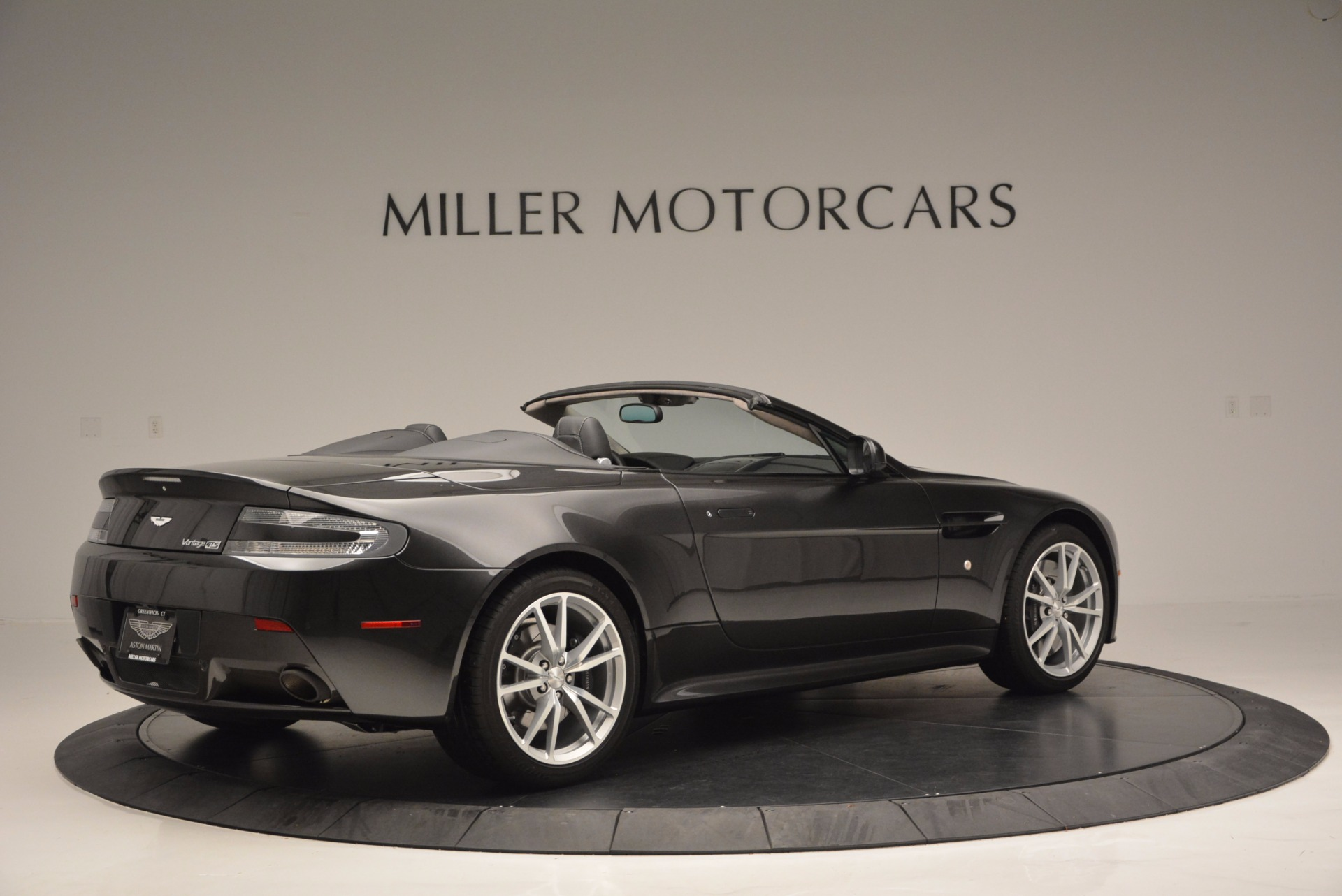 Used 2016 Aston Martin V8 Vantage S Roadster For Sale In Greenwich, CT. Alfa Romeo of Greenwich, 7098 652_p7