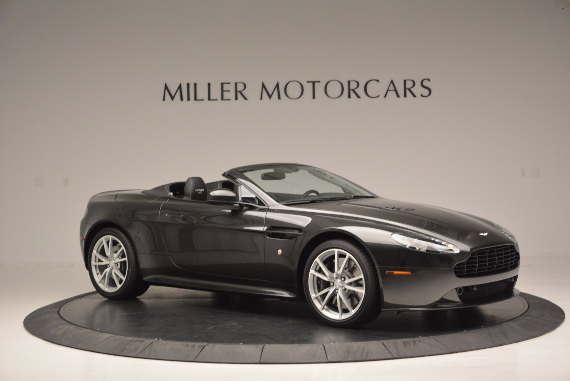 Used 2016 Aston Martin V8 Vantage S Roadster For Sale In Greenwich, CT. Alfa Romeo of Greenwich, 7098 652_p9