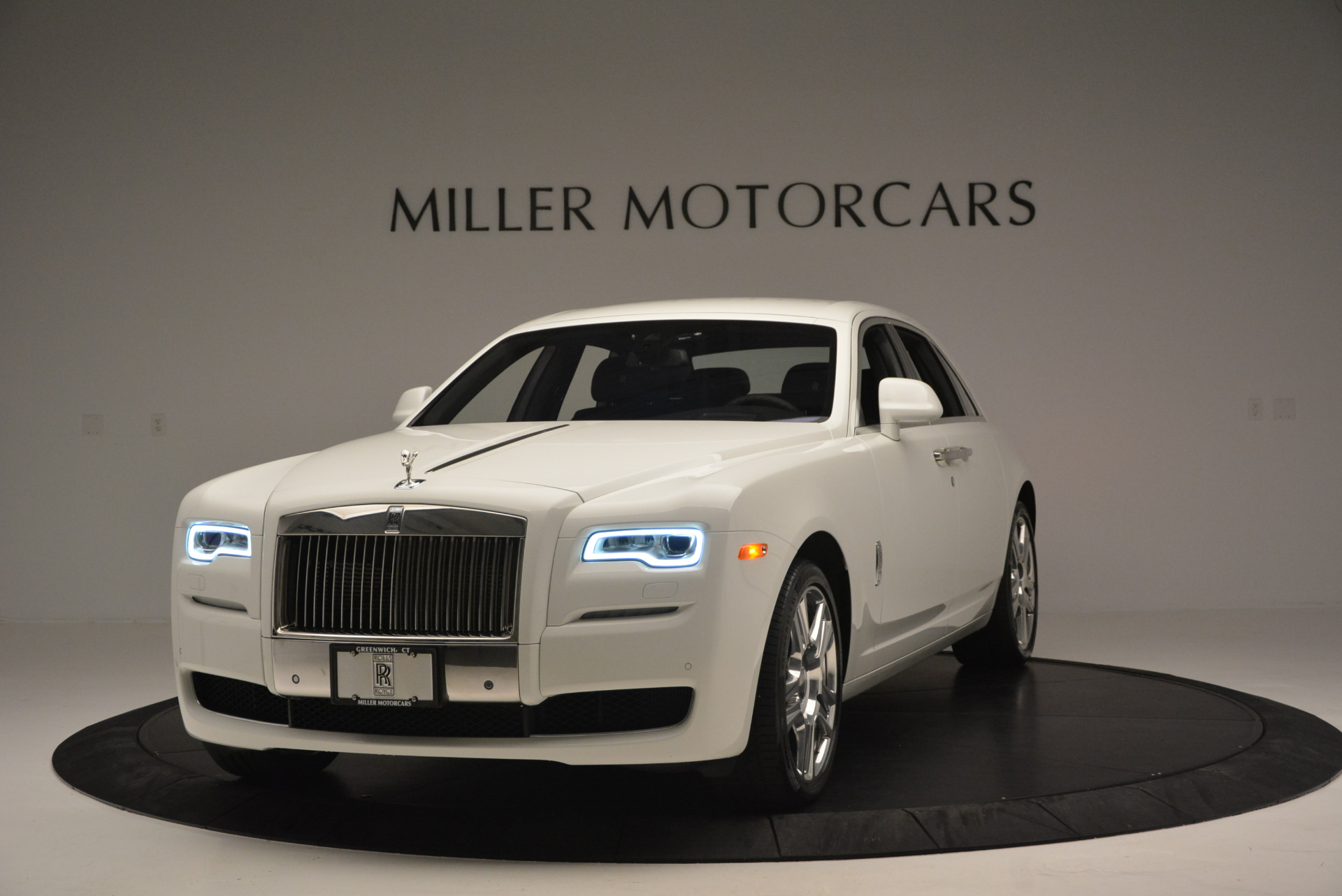 Used 2016 Rolls-Royce Ghost Series II  For Sale In Greenwich, CT. Alfa Romeo of Greenwich, R384 653_p2