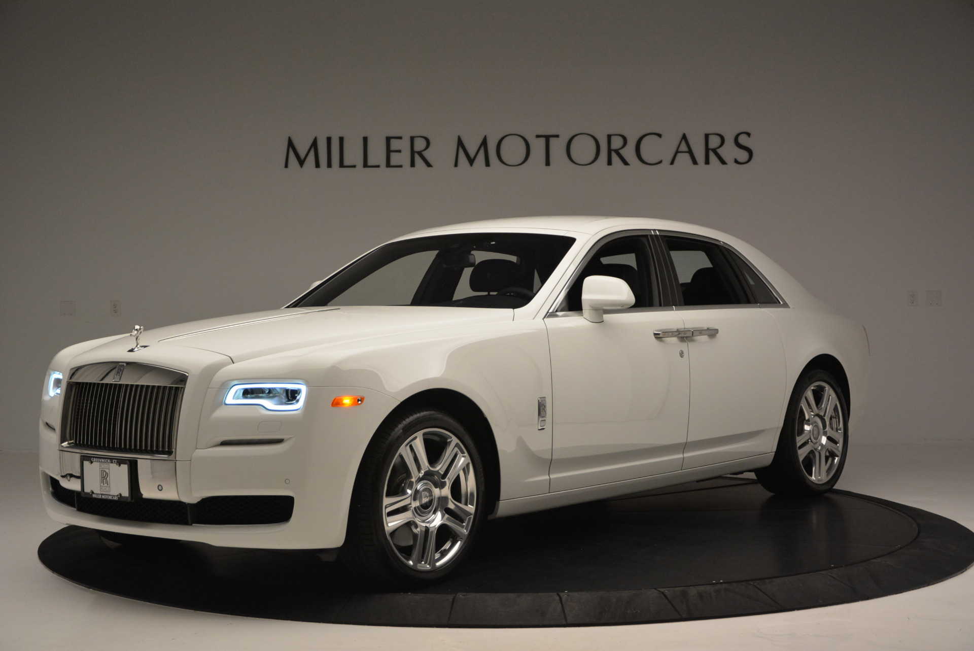 Used 2016 Rolls-Royce Ghost Series II  For Sale In Greenwich, CT. Alfa Romeo of Greenwich, R384 653_p3