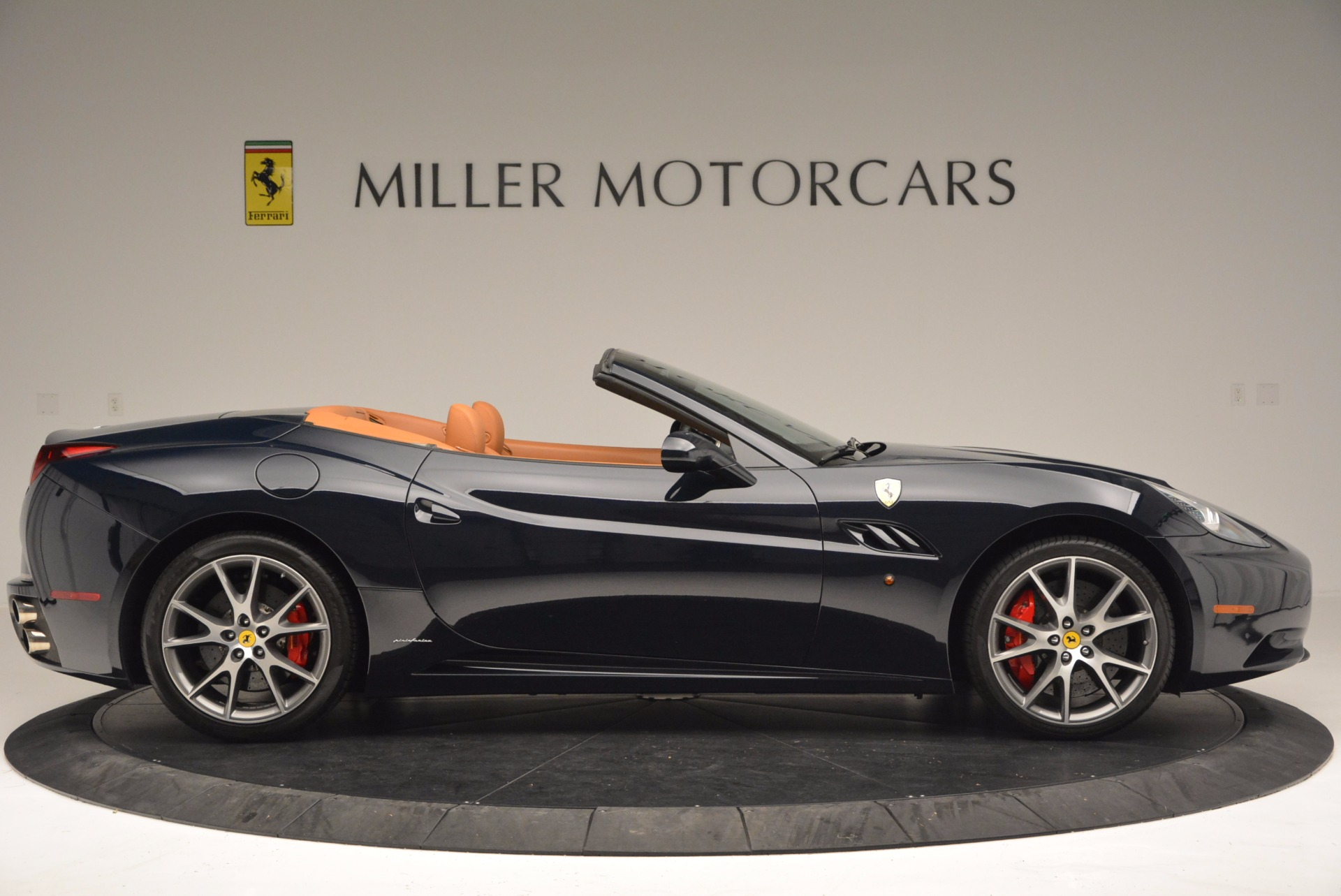 Used 2010 Ferrari California  For Sale In Greenwich, CT. Alfa Romeo of Greenwich, 4429 659_p9