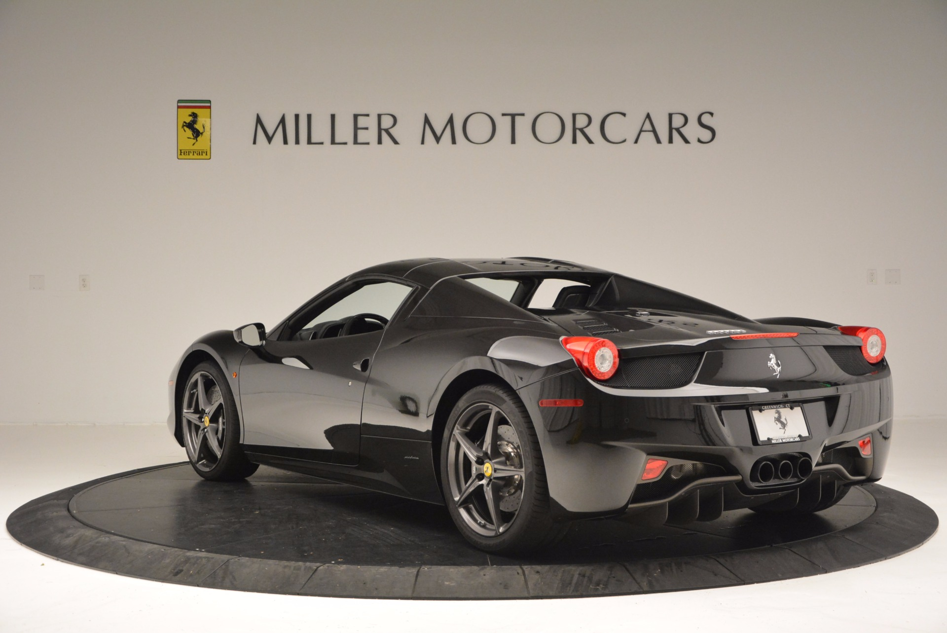 Used 2015 Ferrari 458 Spider  For Sale In Greenwich, CT. Alfa Romeo of Greenwich, 4350 660_p17