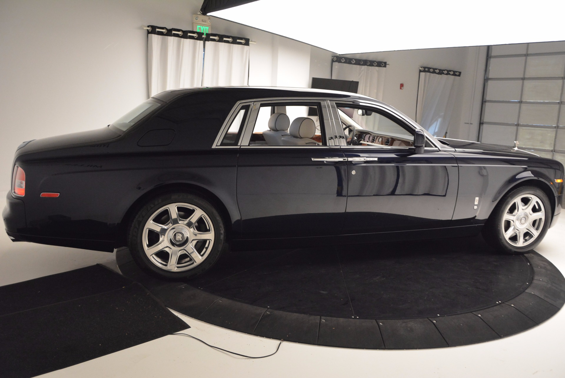 Used 2011 Rolls-Royce Phantom  For Sale In Greenwich, CT. Alfa Romeo of Greenwich, R386A 661_p6