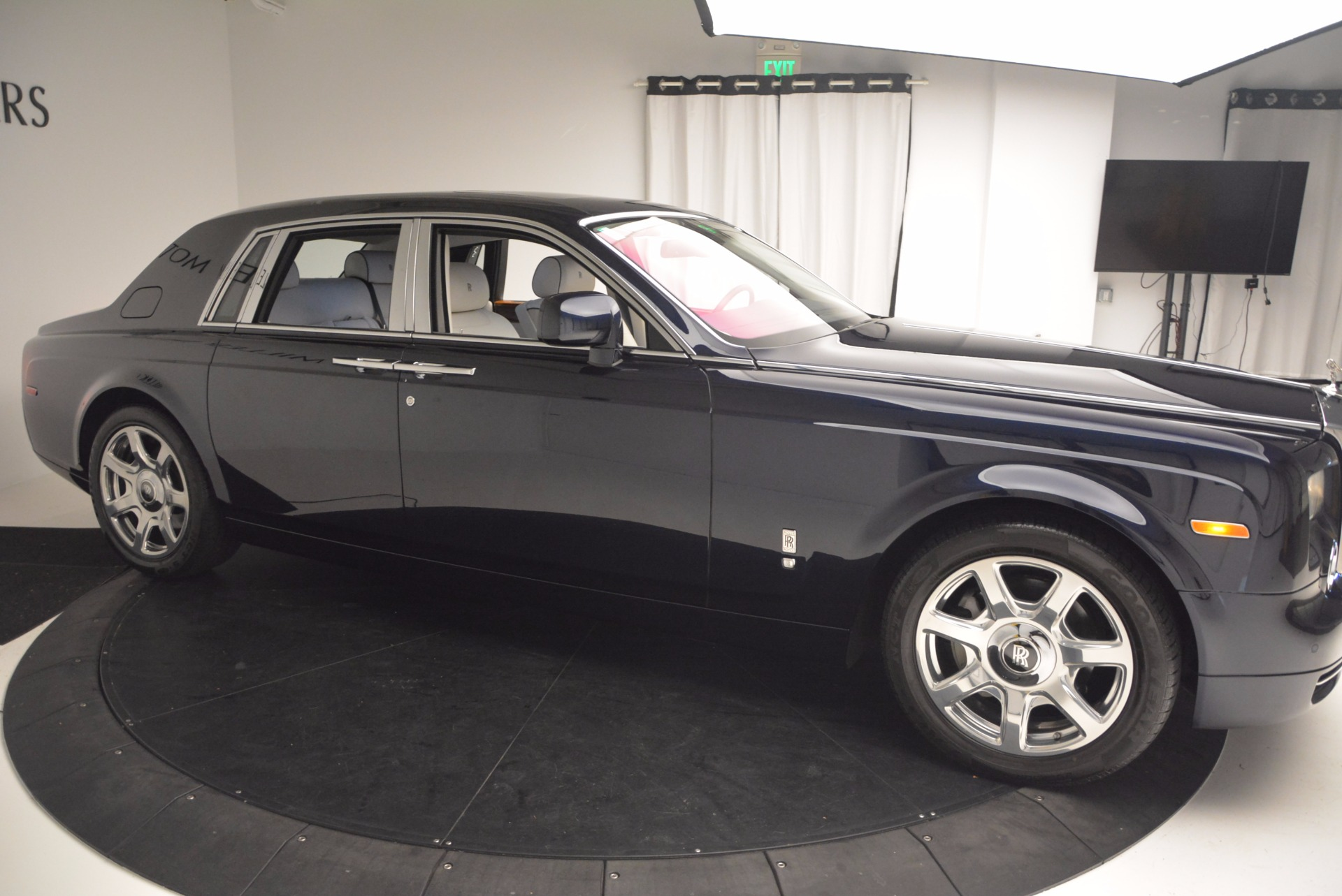 Used 2011 Rolls-Royce Phantom  For Sale In Greenwich, CT. Alfa Romeo of Greenwich, R386A 661_p7