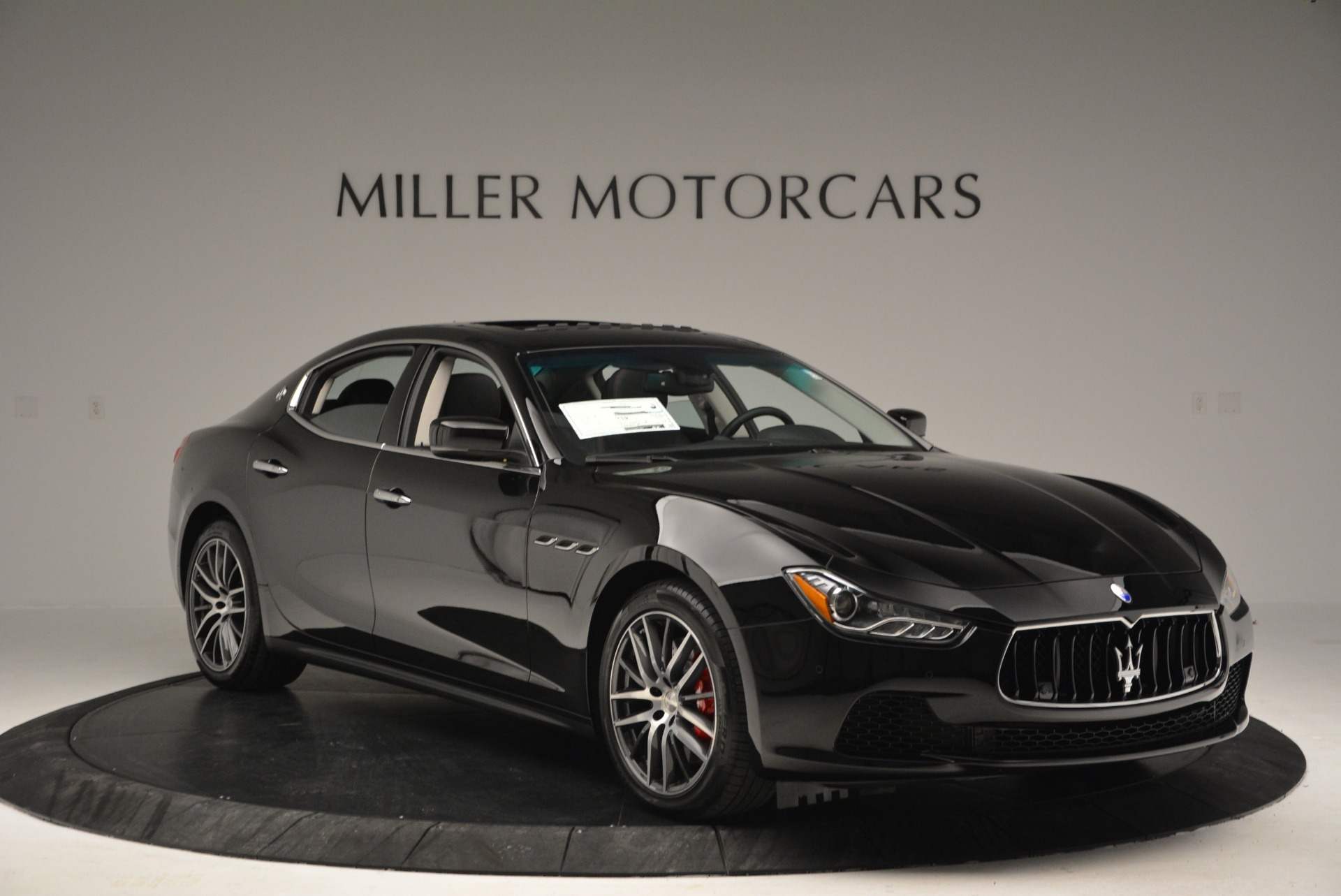 Used 2016 Maserati Ghibli S Q4  EX-LOANER For Sale In Greenwich, CT. Alfa Romeo of Greenwich, M1548 667_p11