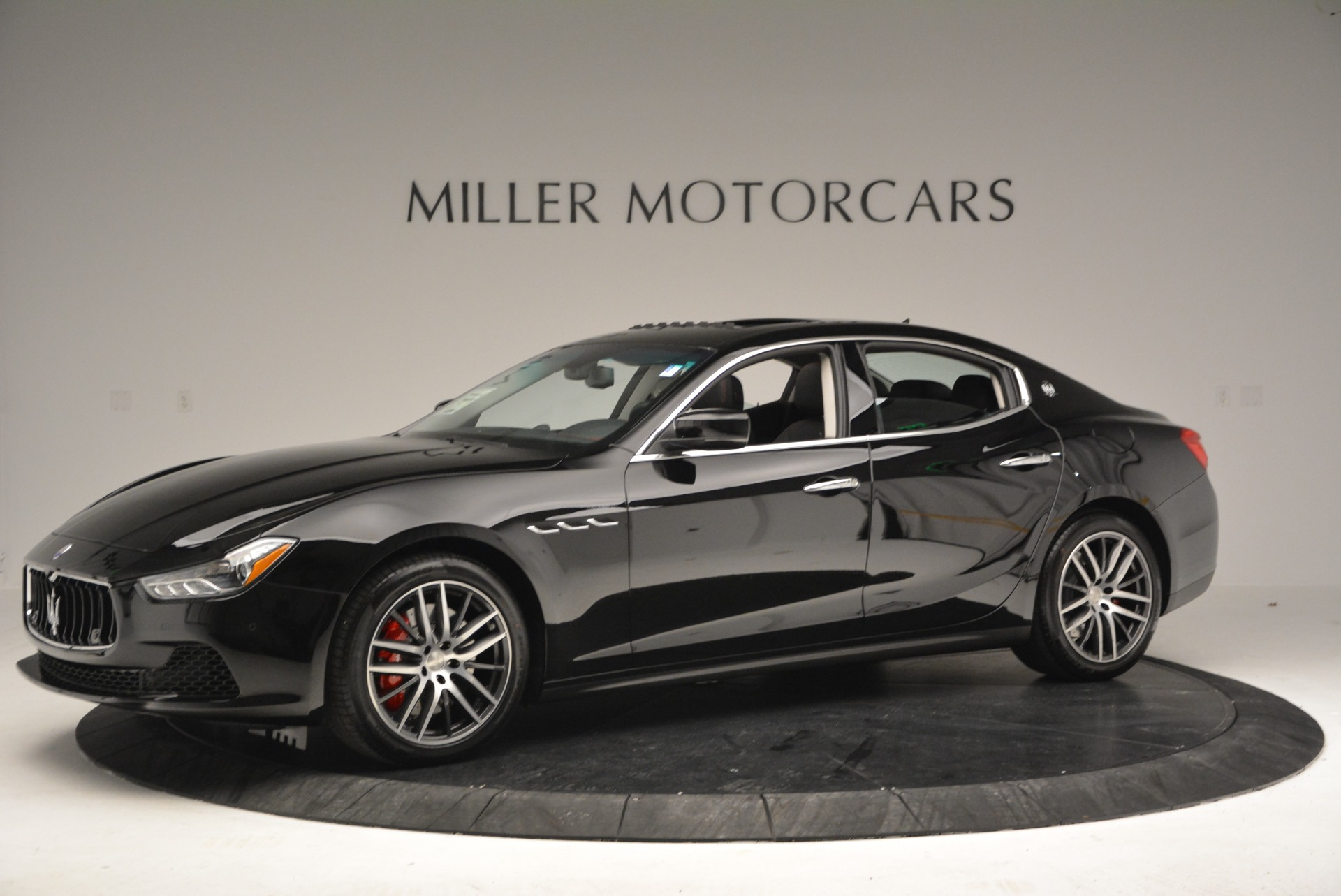 Used 2016 Maserati Ghibli S Q4  EX-LOANER For Sale In Greenwich, CT. Alfa Romeo of Greenwich, M1548 667_p2