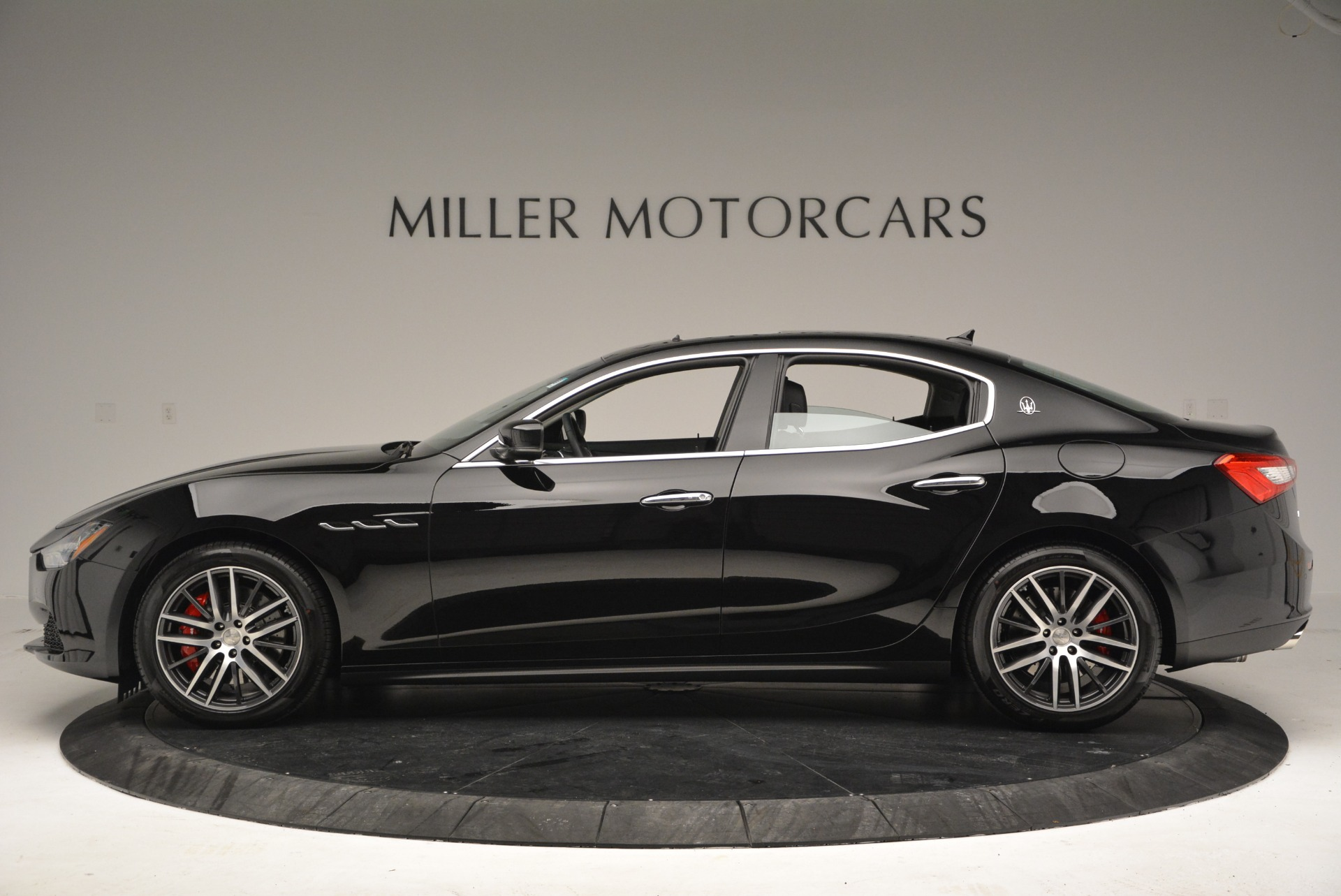 Used 2016 Maserati Ghibli S Q4  EX-LOANER For Sale In Greenwich, CT. Alfa Romeo of Greenwich, M1548 667_p3