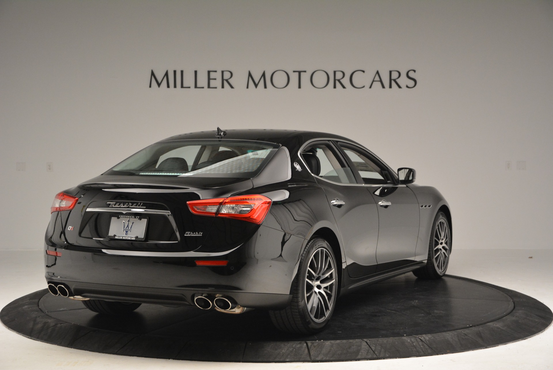 Used 2016 Maserati Ghibli S Q4  EX-LOANER For Sale In Greenwich, CT. Alfa Romeo of Greenwich, M1548 667_p7