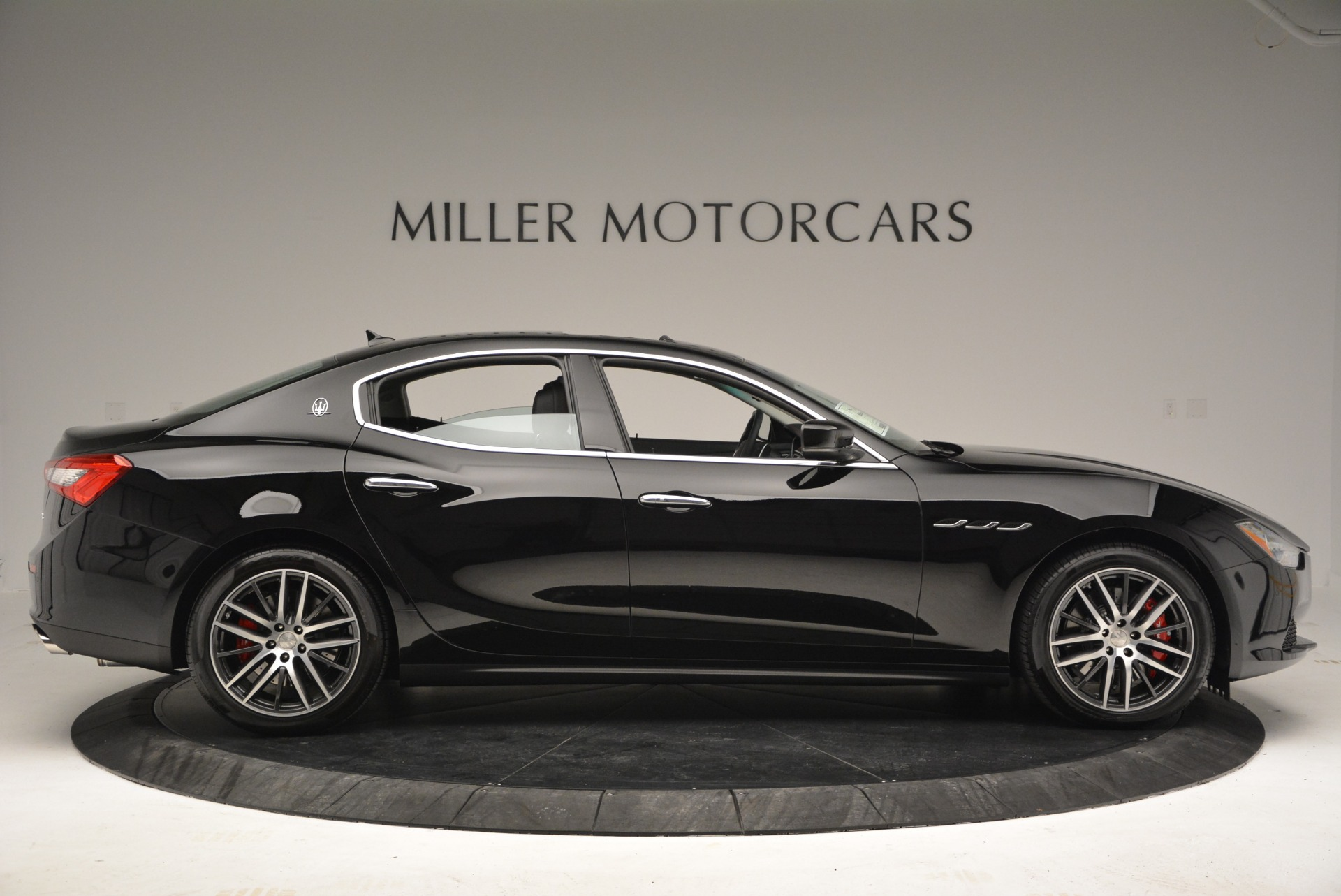 Used 2016 Maserati Ghibli S Q4  EX-LOANER For Sale In Greenwich, CT. Alfa Romeo of Greenwich, M1548 667_p9