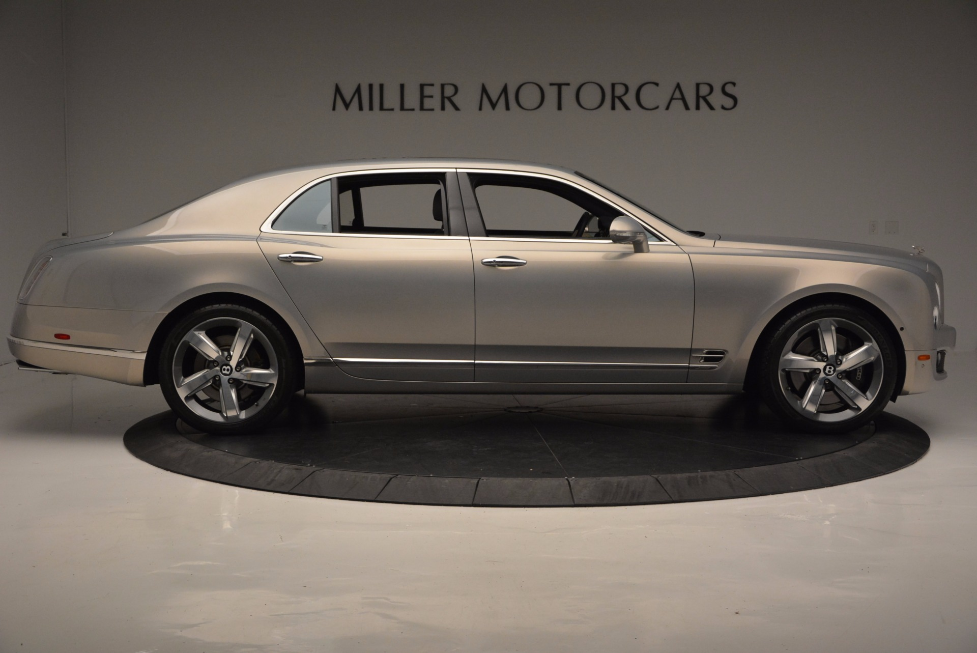 Used 2016 Bentley Mulsanne Speed For Sale In Greenwich, CT. Alfa Romeo of Greenwich, 7106 671_p10