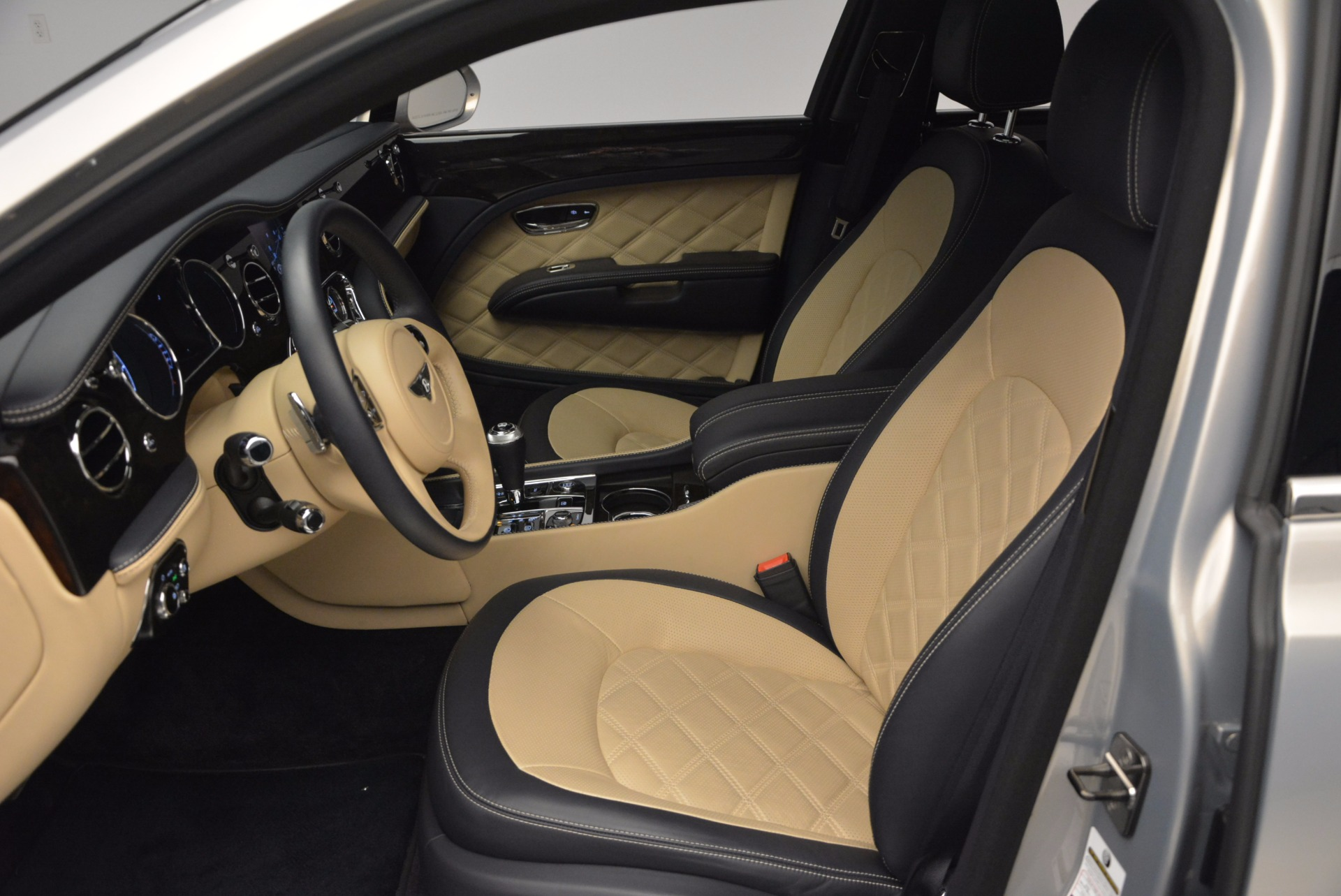 Used 2016 Bentley Mulsanne Speed For Sale In Greenwich, CT. Alfa Romeo of Greenwich, 7106 671_p25