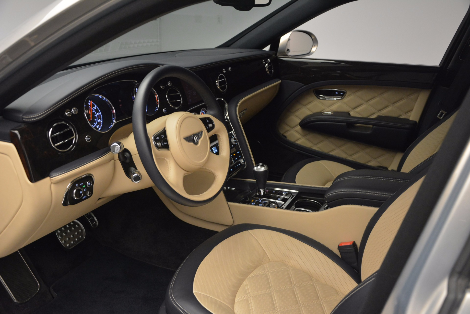 Used 2016 Bentley Mulsanne Speed For Sale In Greenwich, CT. Alfa Romeo of Greenwich, 7106 671_p26