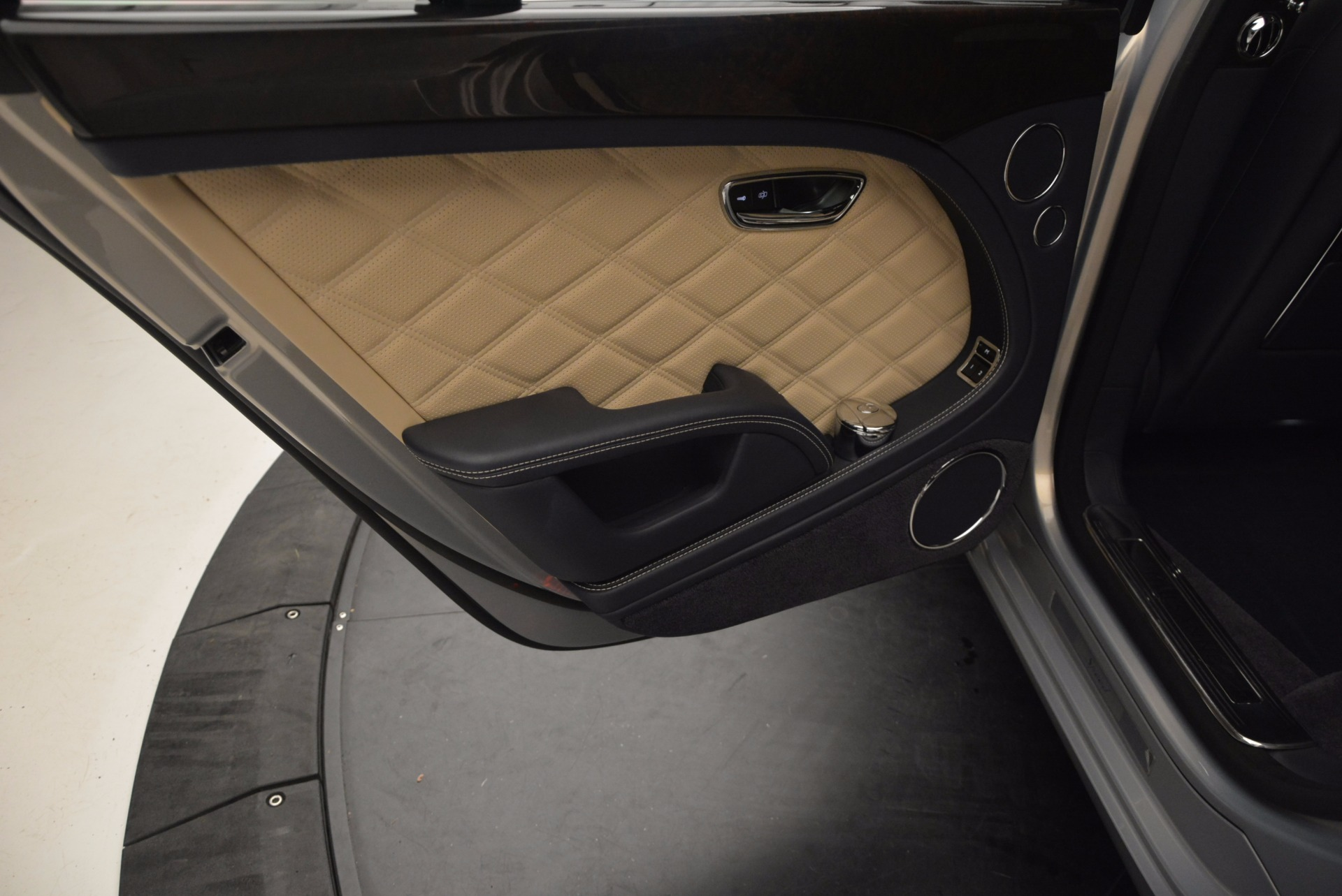 Used 2016 Bentley Mulsanne Speed For Sale In Greenwich, CT. Alfa Romeo of Greenwich, 7106 671_p31