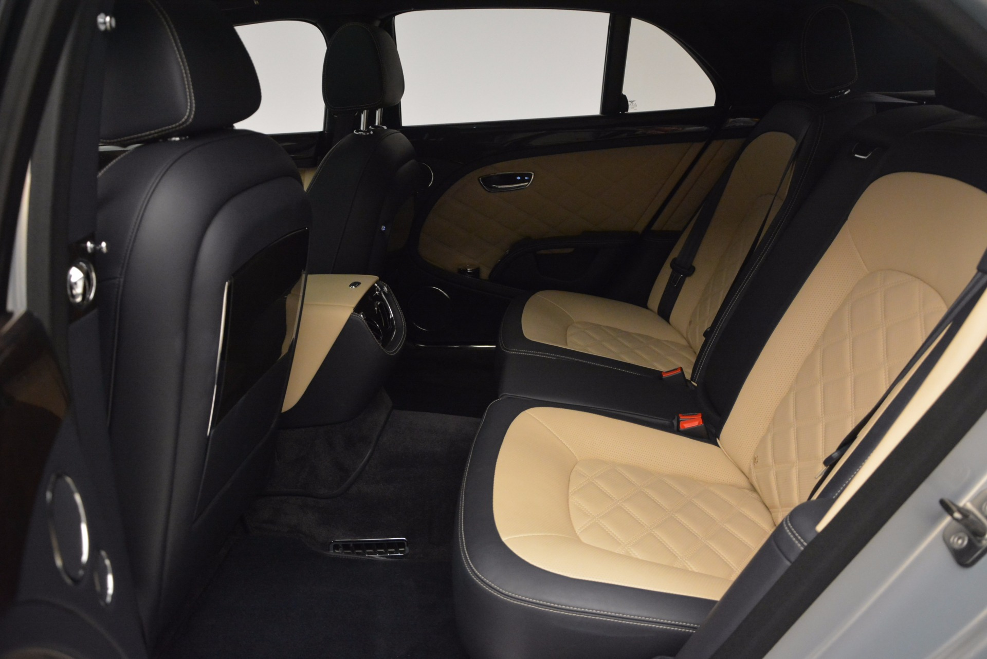 Used 2016 Bentley Mulsanne Speed For Sale In Greenwich, CT. Alfa Romeo of Greenwich, 7106 671_p33